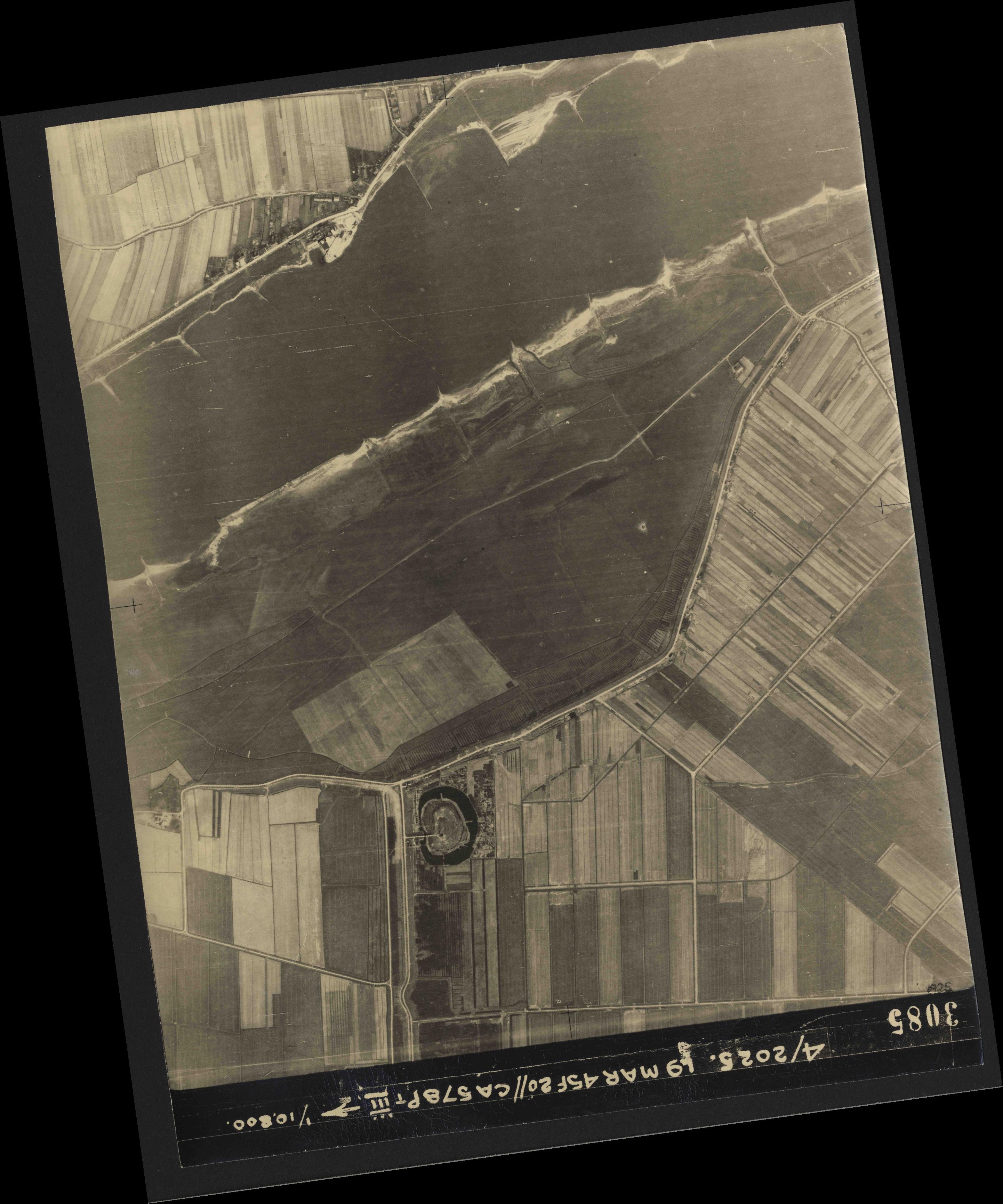 Collection RAF aerial photos 1940-1945 - flight 094, run 08, photo 3085