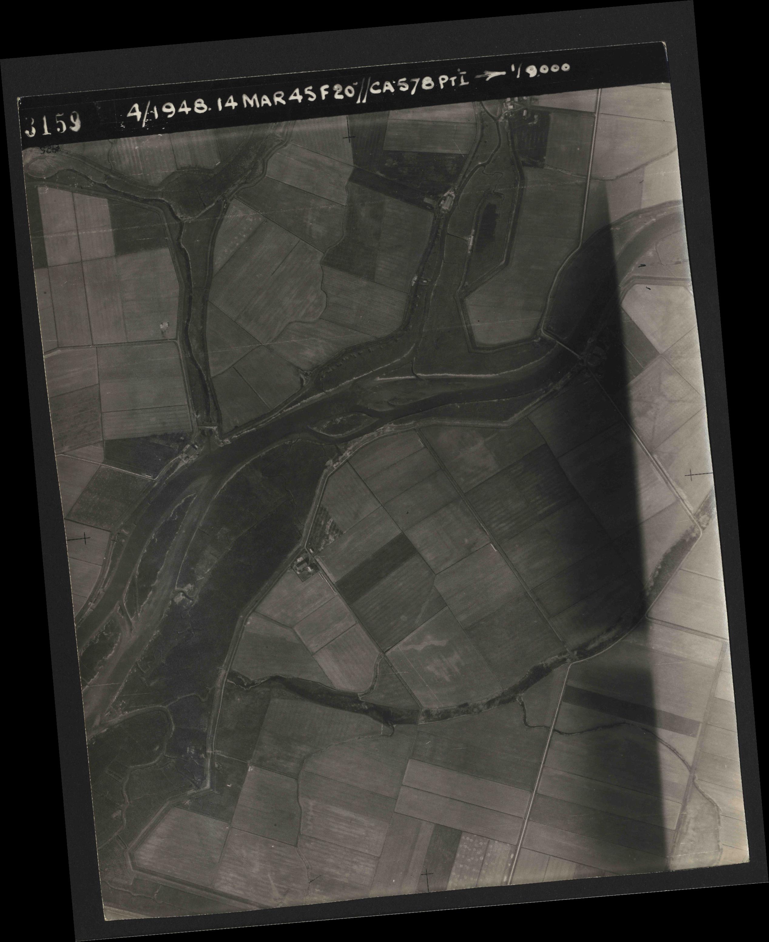 Collection RAF aerial photos 1940-1945 - flight 095, run 01, photo 3159