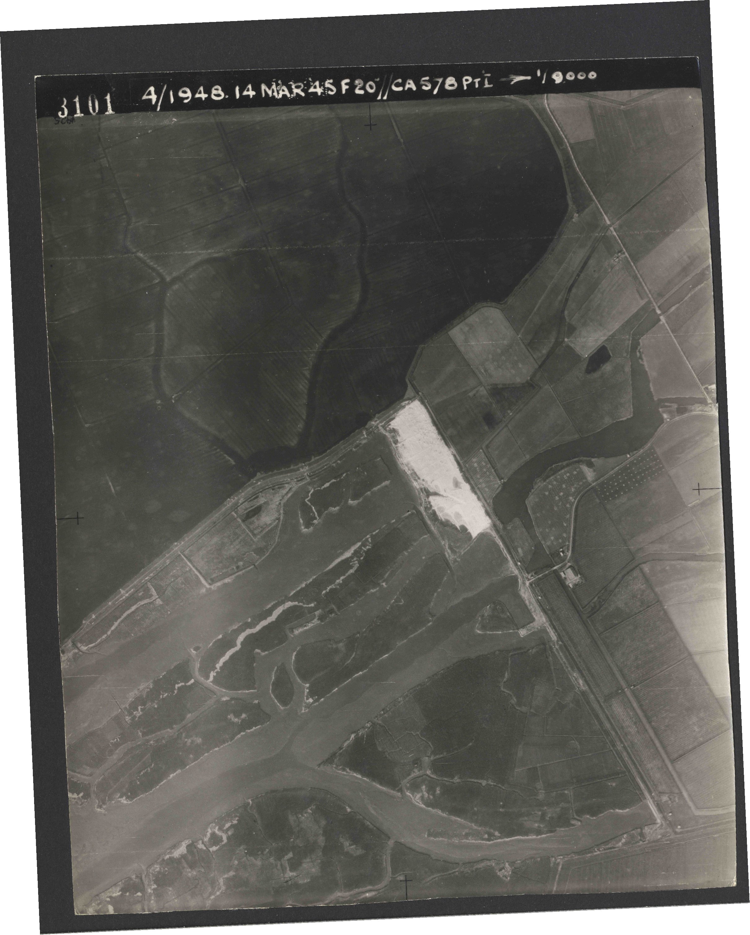 Collection RAF aerial photos 1940-1945 - flight 095, run 02, photo 3101