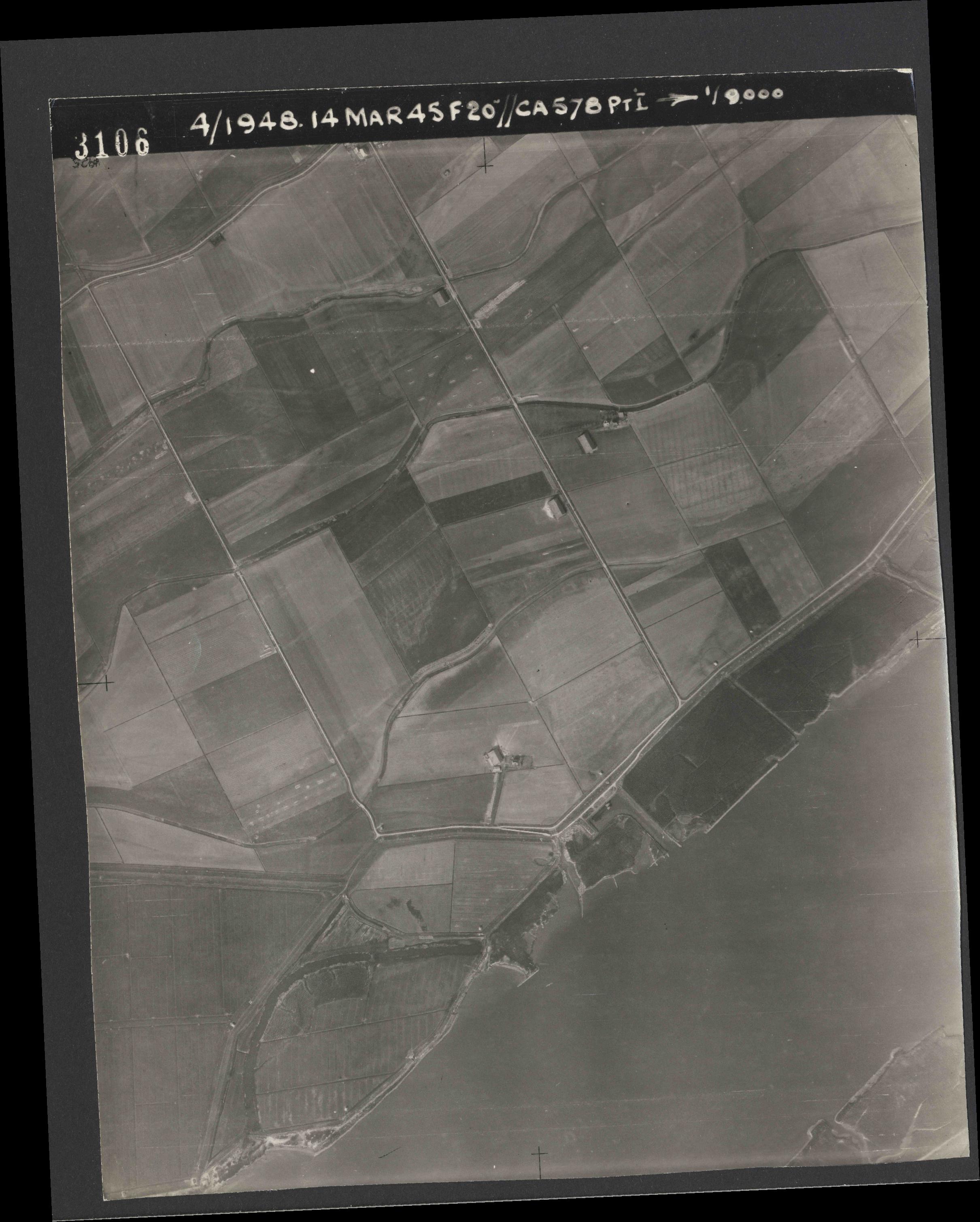 Collection RAF aerial photos 1940-1945 - flight 095, run 02, photo 3106
