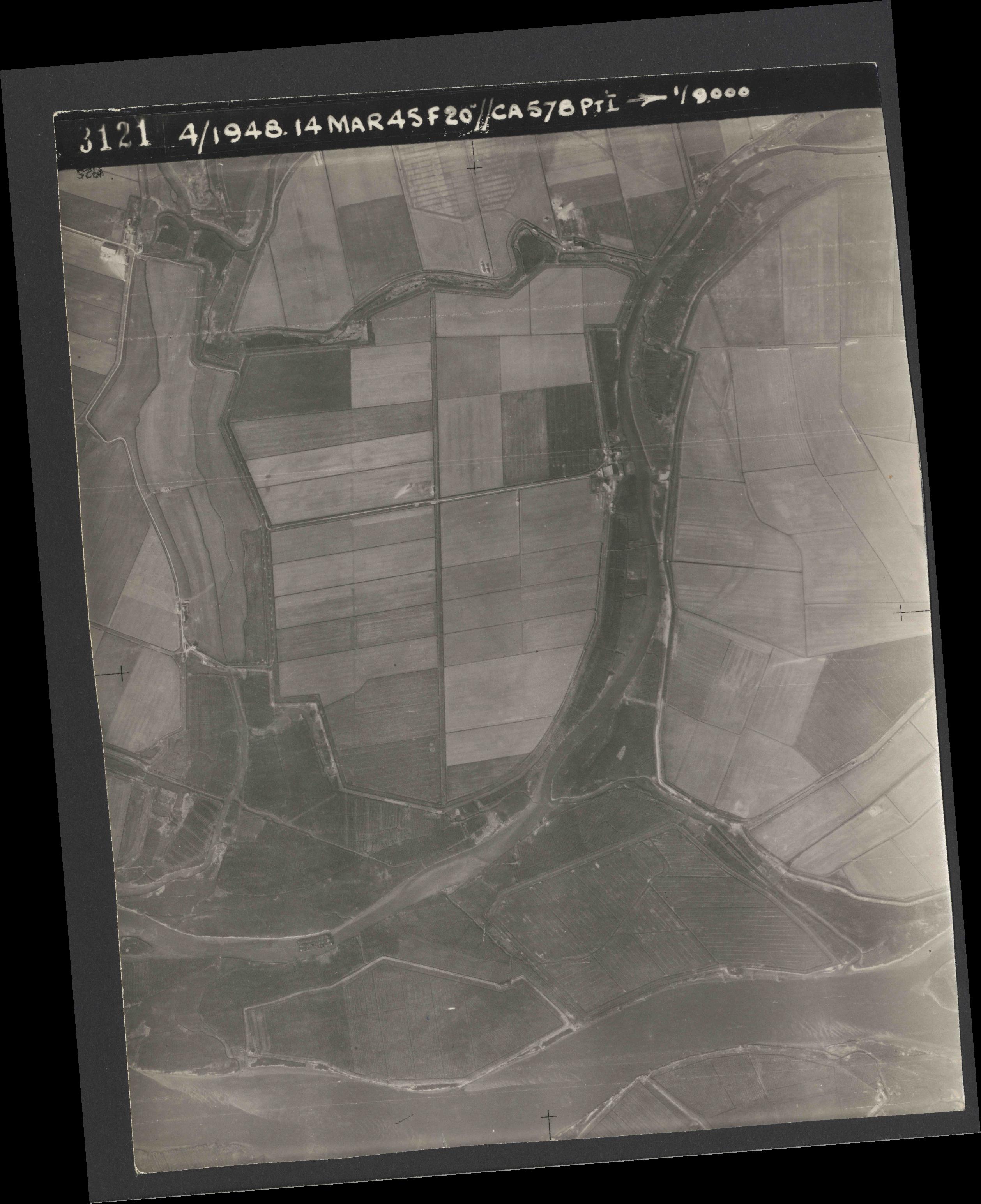 Collection RAF aerial photos 1940-1945 - flight 095, run 02, photo 3121