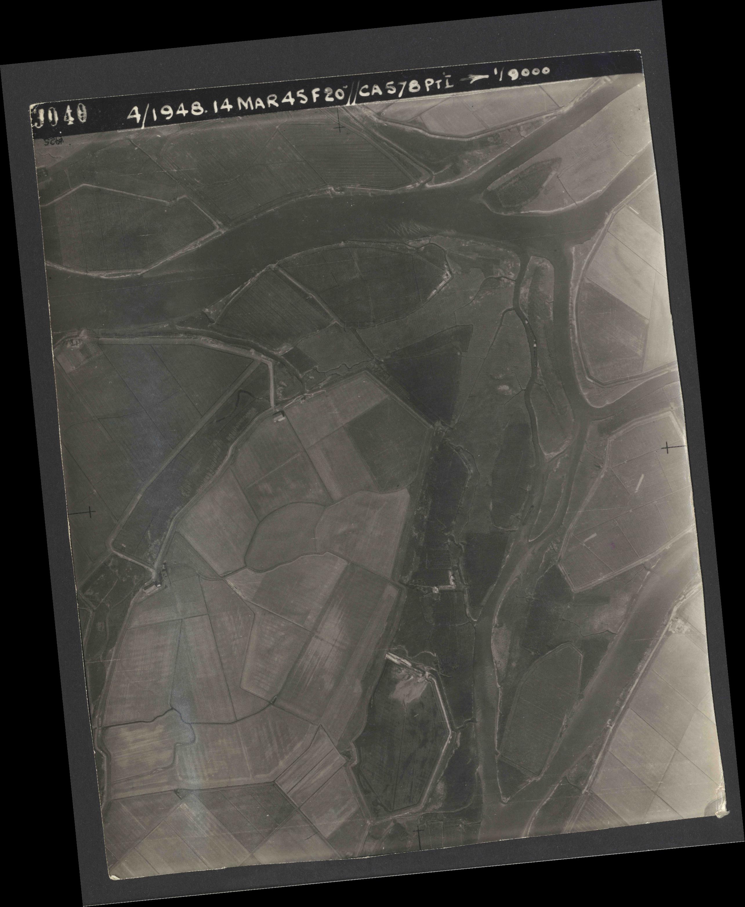 Collection RAF aerial photos 1940-1945 - flight 095, run 03, photo 3040