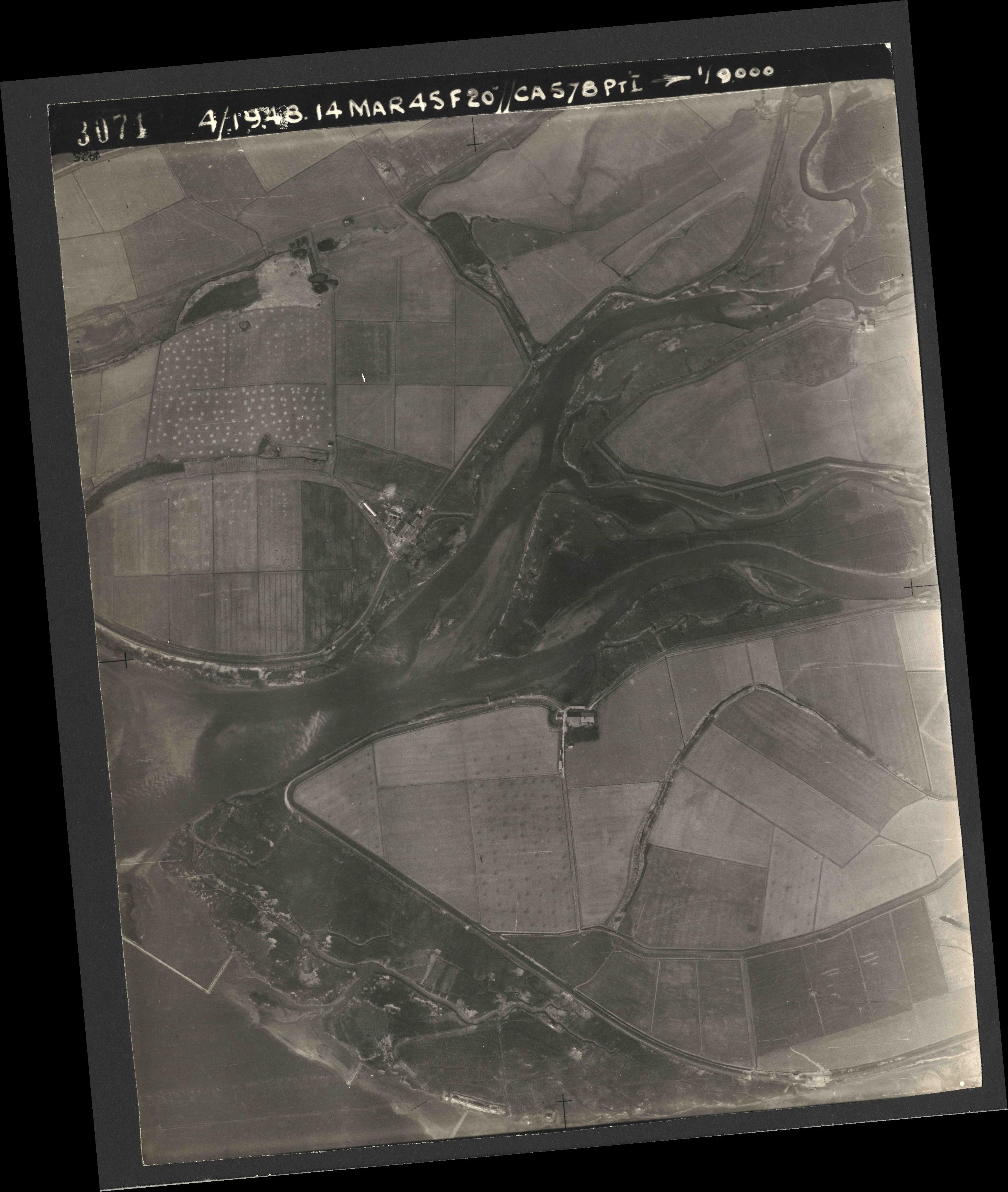 Collection RAF aerial photos 1940-1945 - flight 095, run 05, photo 3071