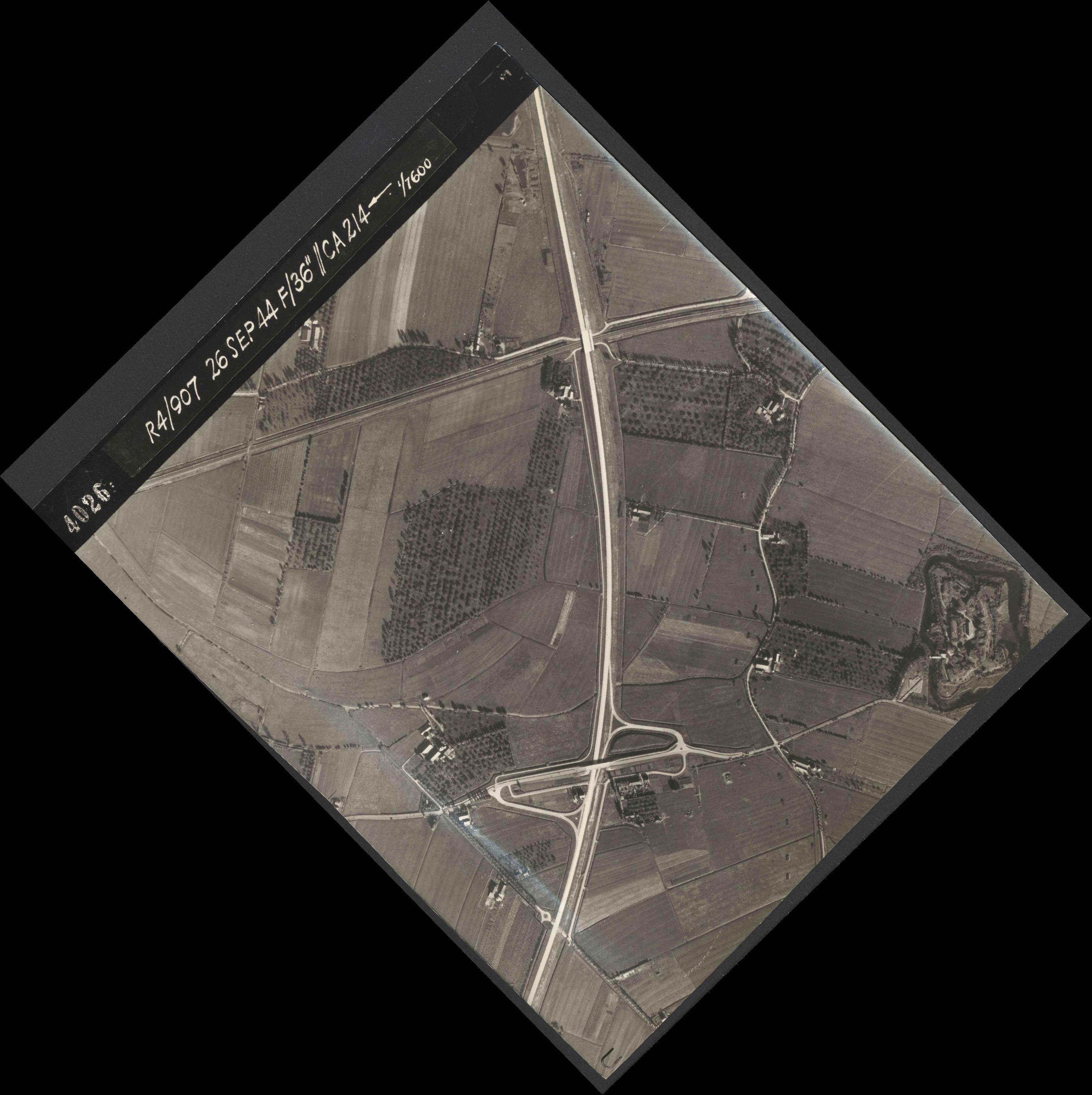 Collection RAF aerial photos 1940-1945 - flight 097, run 03, photo 4026