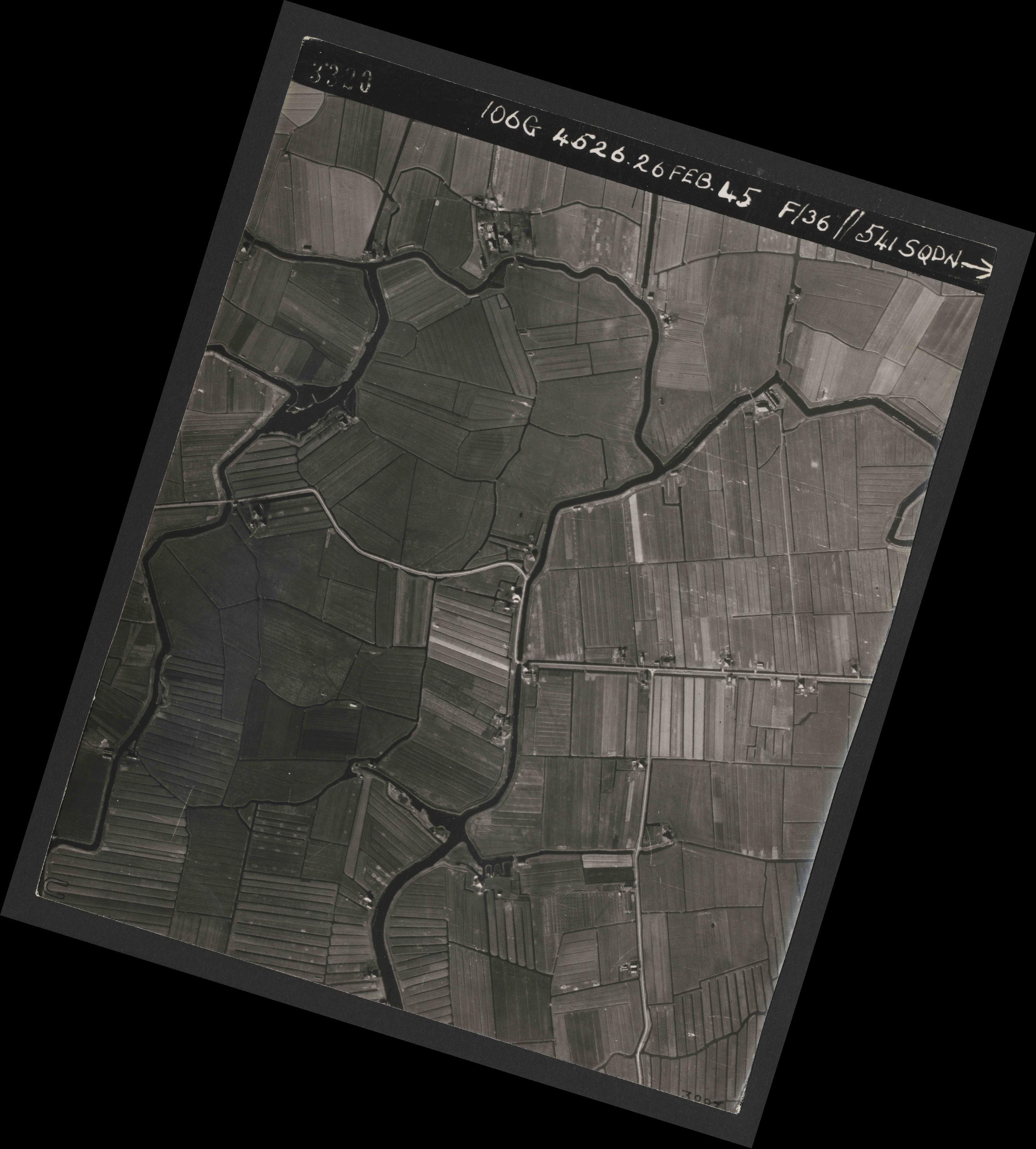 Collection RAF aerial photos 1940-1945 - flight 101, run 01, photo 3320
