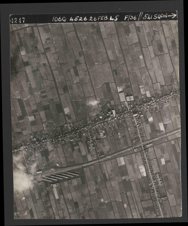 Collection RAF aerial photos 1940-1945 - flight 101, run 02, photo 4247