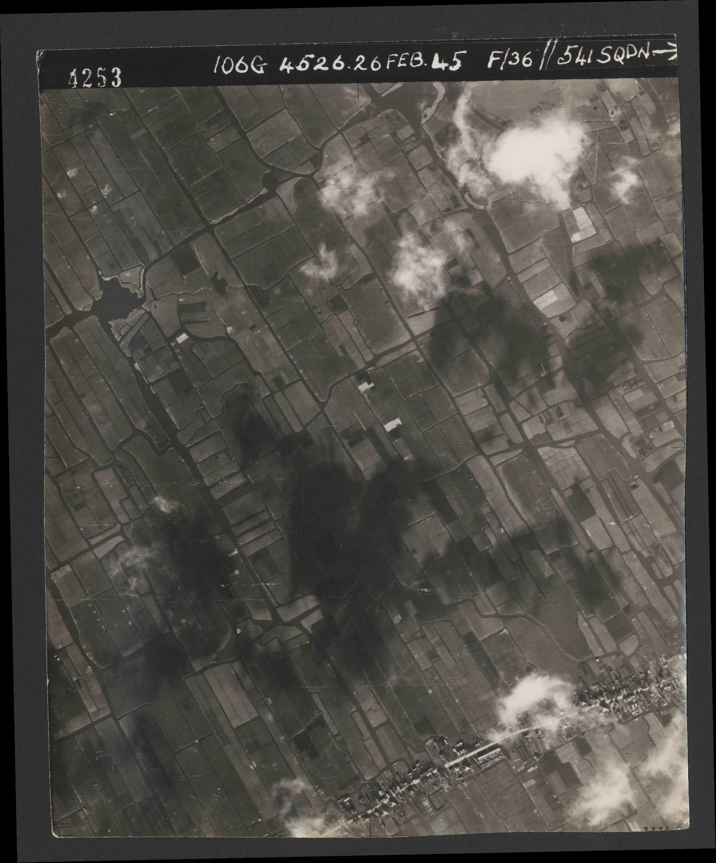Collection RAF aerial photos 1940-1945 - flight 101, run 02, photo 4253