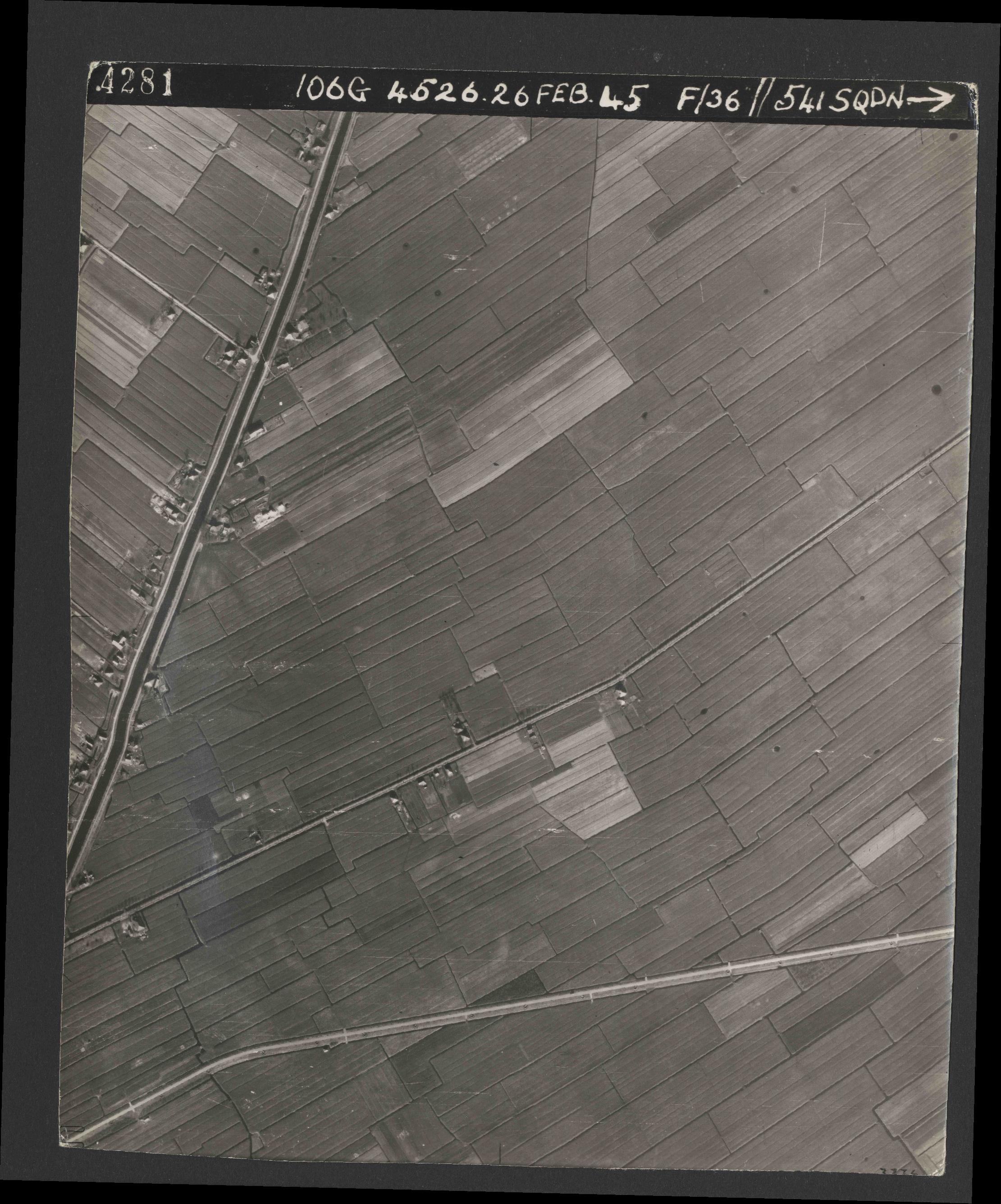 Collection RAF aerial photos 1940-1945 - flight 101, run 02, photo 4281