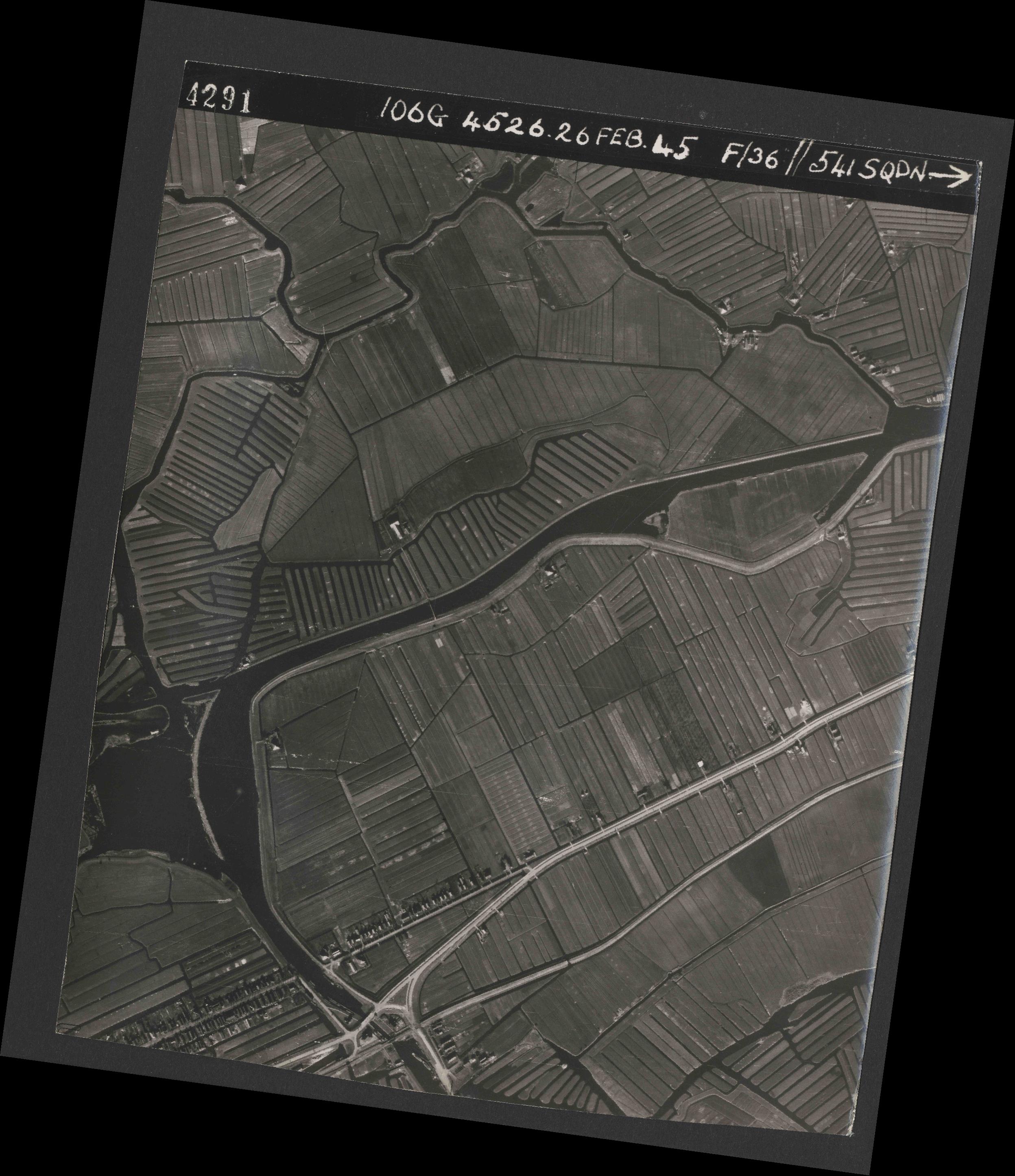 Collection RAF aerial photos 1940-1945 - flight 101, run 02, photo 4291