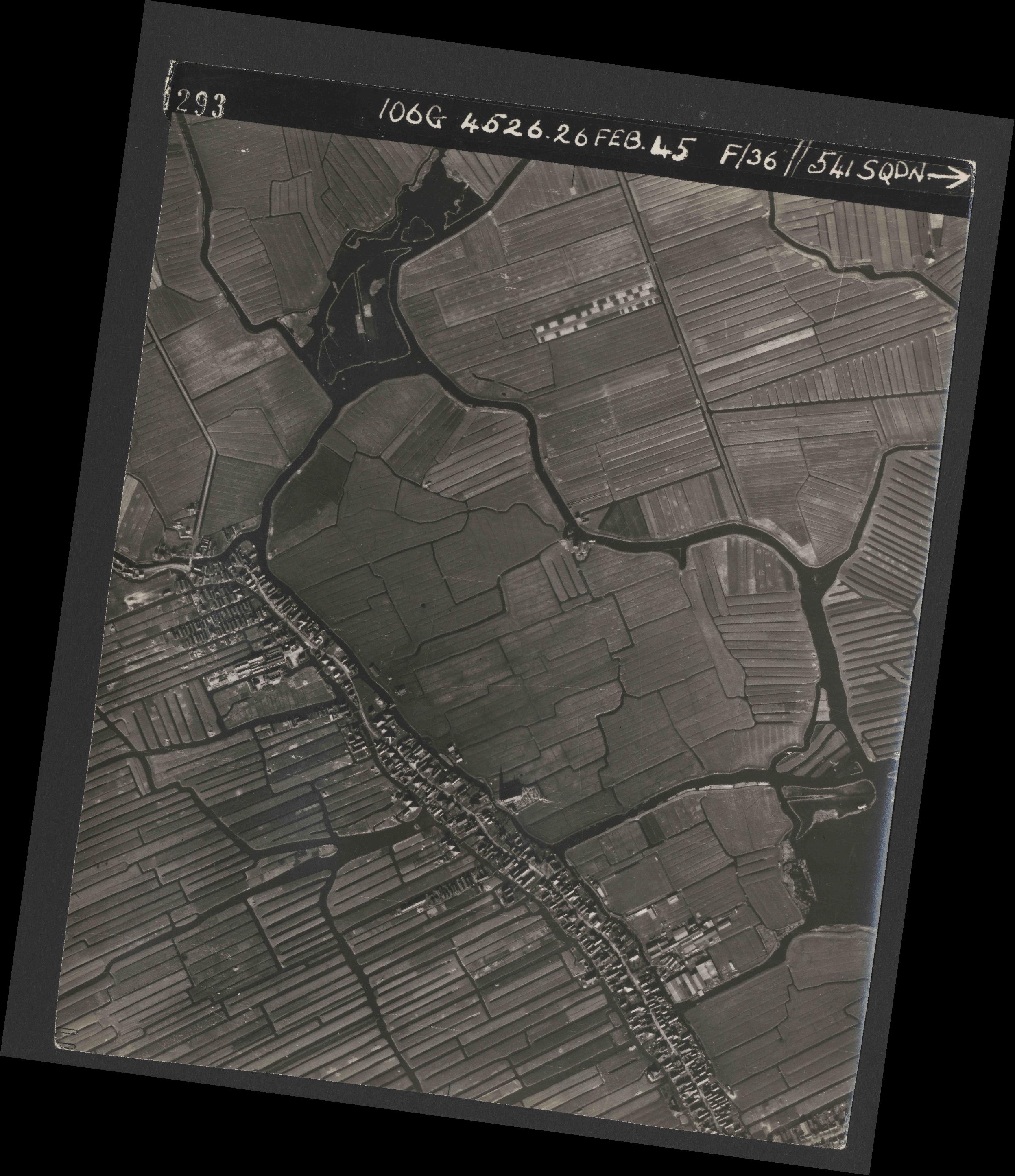 Collection RAF aerial photos 1940-1945 - flight 101, run 02, photo 4293
