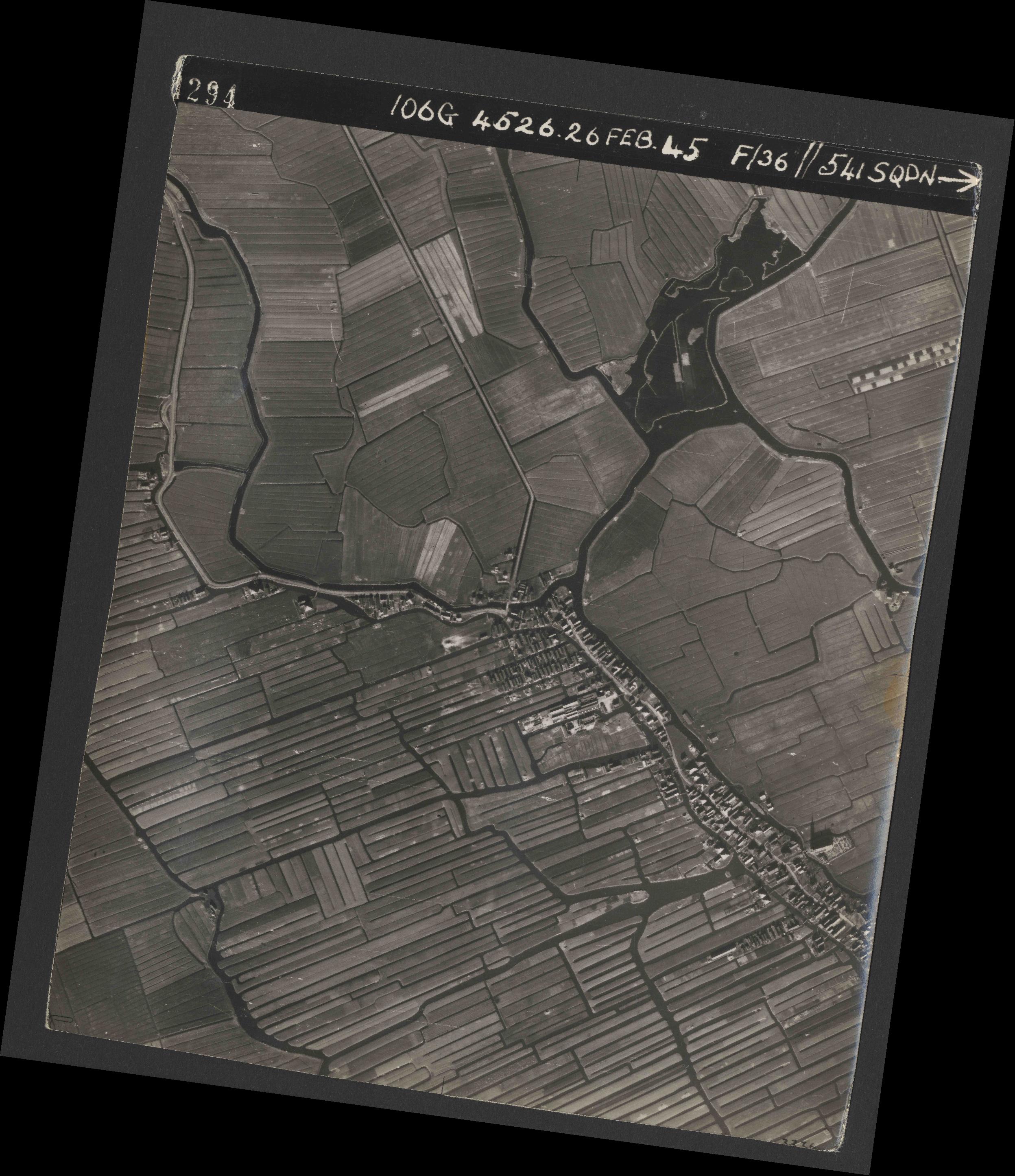 Collection RAF aerial photos 1940-1945 - flight 101, run 02, photo 4294