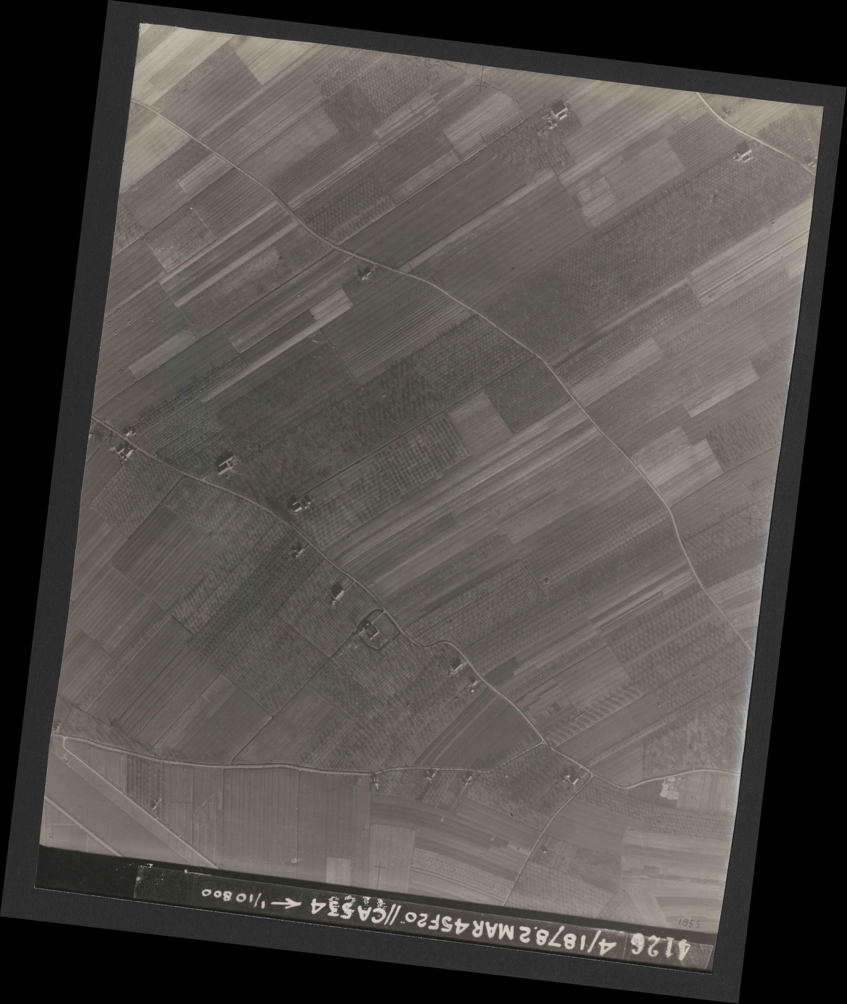 Collection RAF aerial photos 1940-1945 - flight 102, run 08, photo 4126
