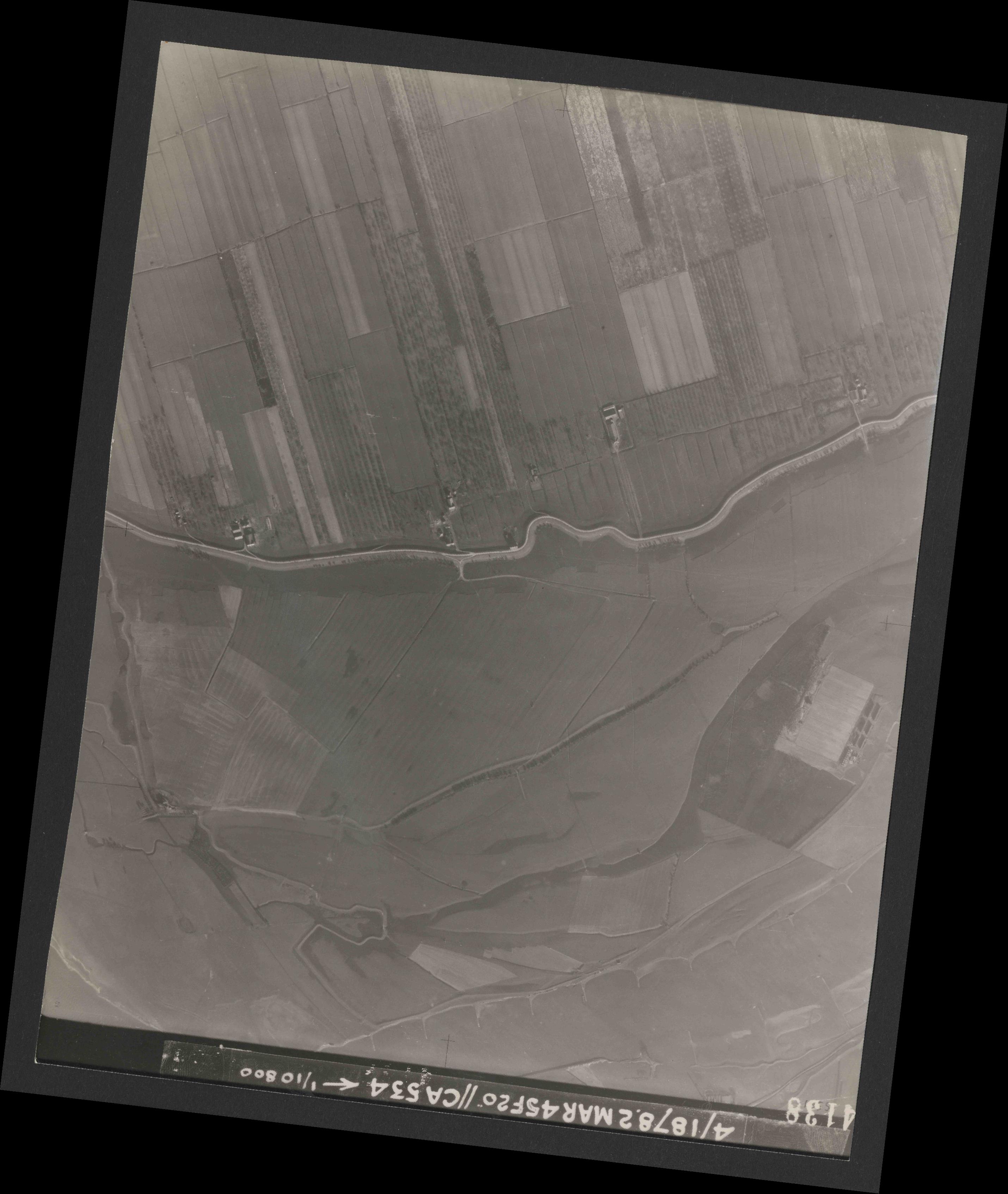 Collection RAF aerial photos 1940-1945 - flight 102, run 08, photo 4138
