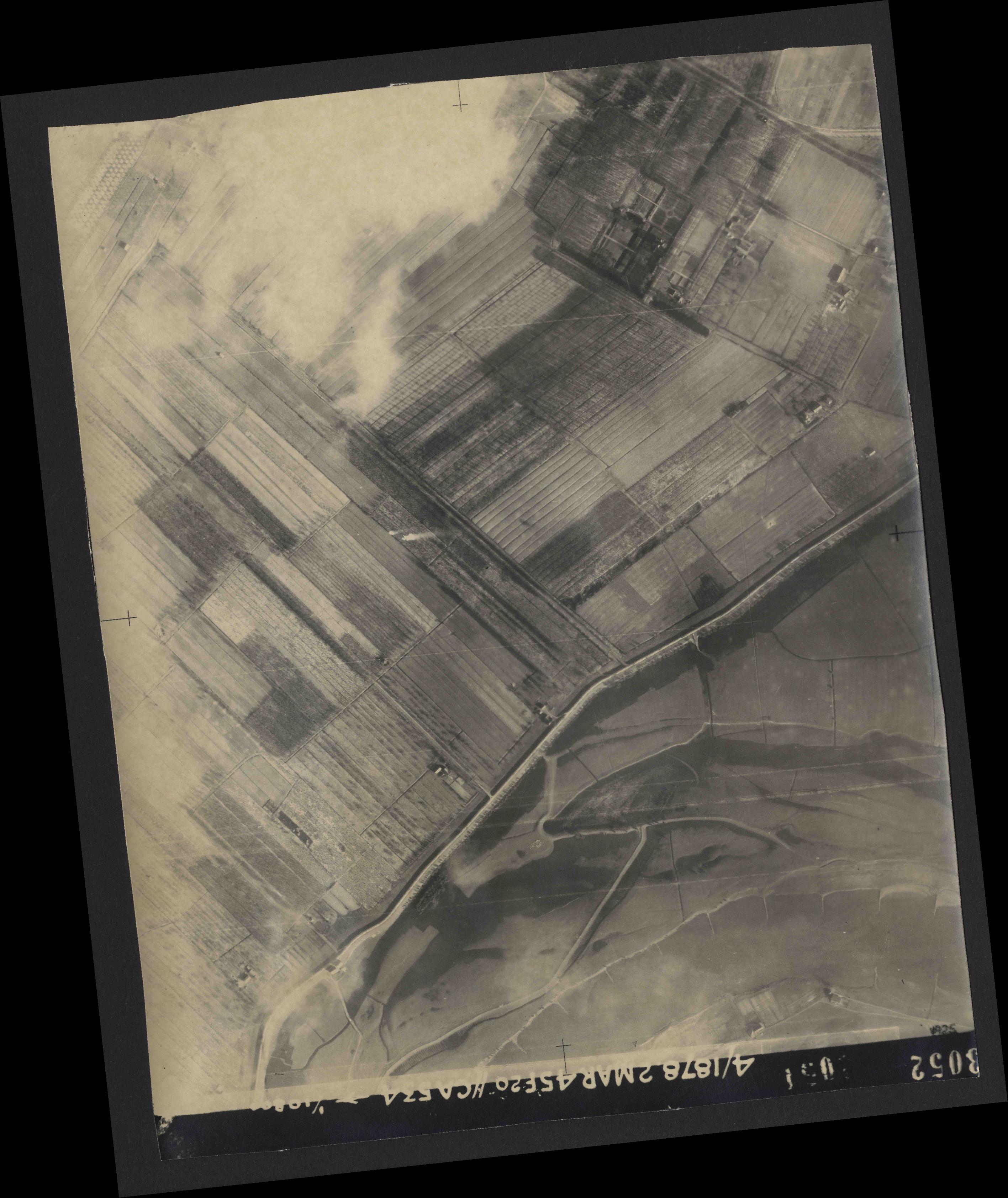 Collection RAF aerial photos 1940-1945 - flight 102, run 10, photo 3052