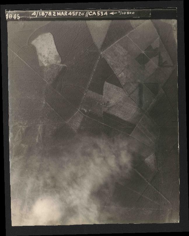 Collection RAF aerial photos 1940-1945 - flight 102, run 12, photo 4045