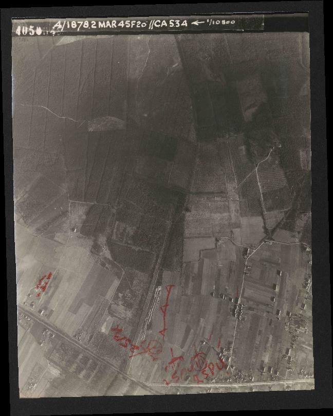 Collection RAF aerial photos 1940-1945 - flight 102, run 12, photo 4050