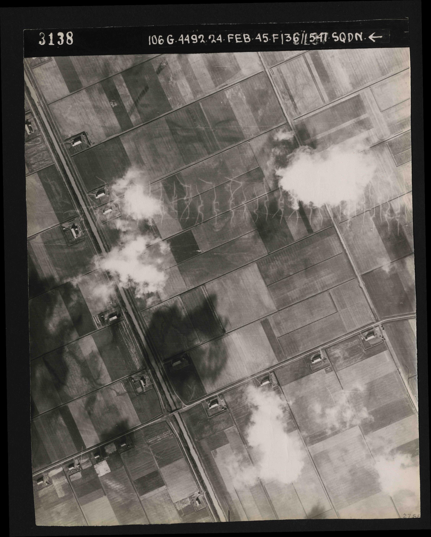 Collection RAF aerial photos 1940-1945 - flight 112, run 11, photo 3138