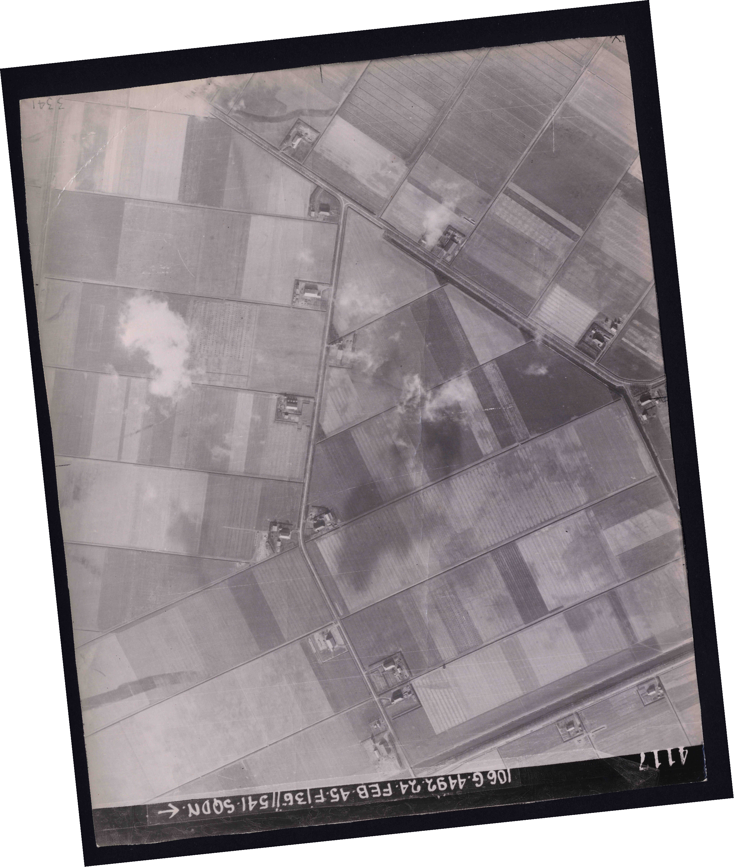 Collection RAF aerial photos 1940-1945 - flight 112, run 12, photo 4117