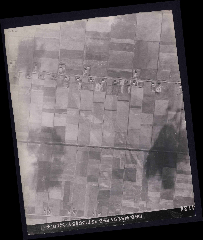 Collection RAF aerial photos 1940-1945 - flight 112, run 12, photo 4124