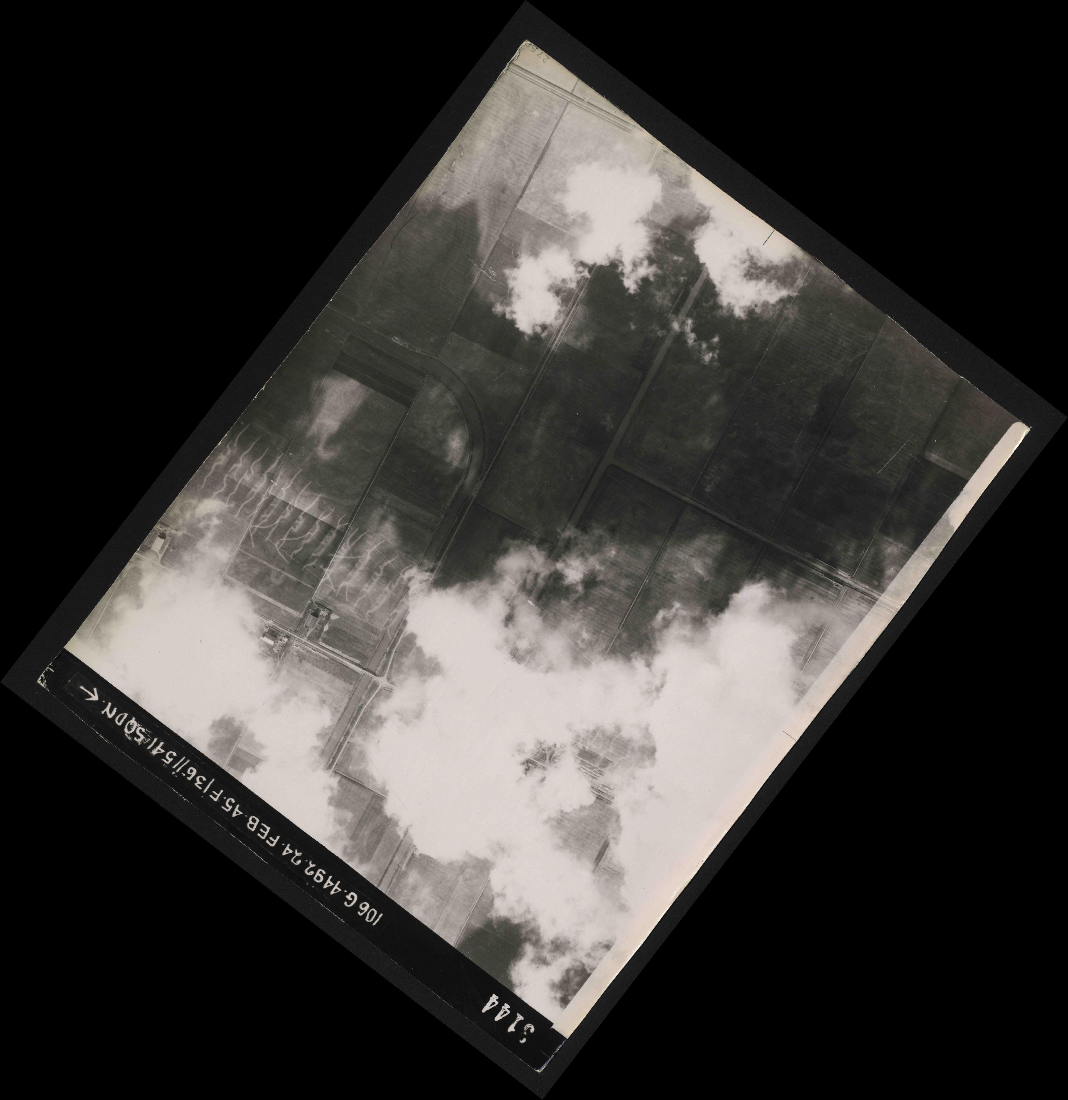 Collection RAF aerial photos 1940-1945 - flight 112, run 13, photo 3144