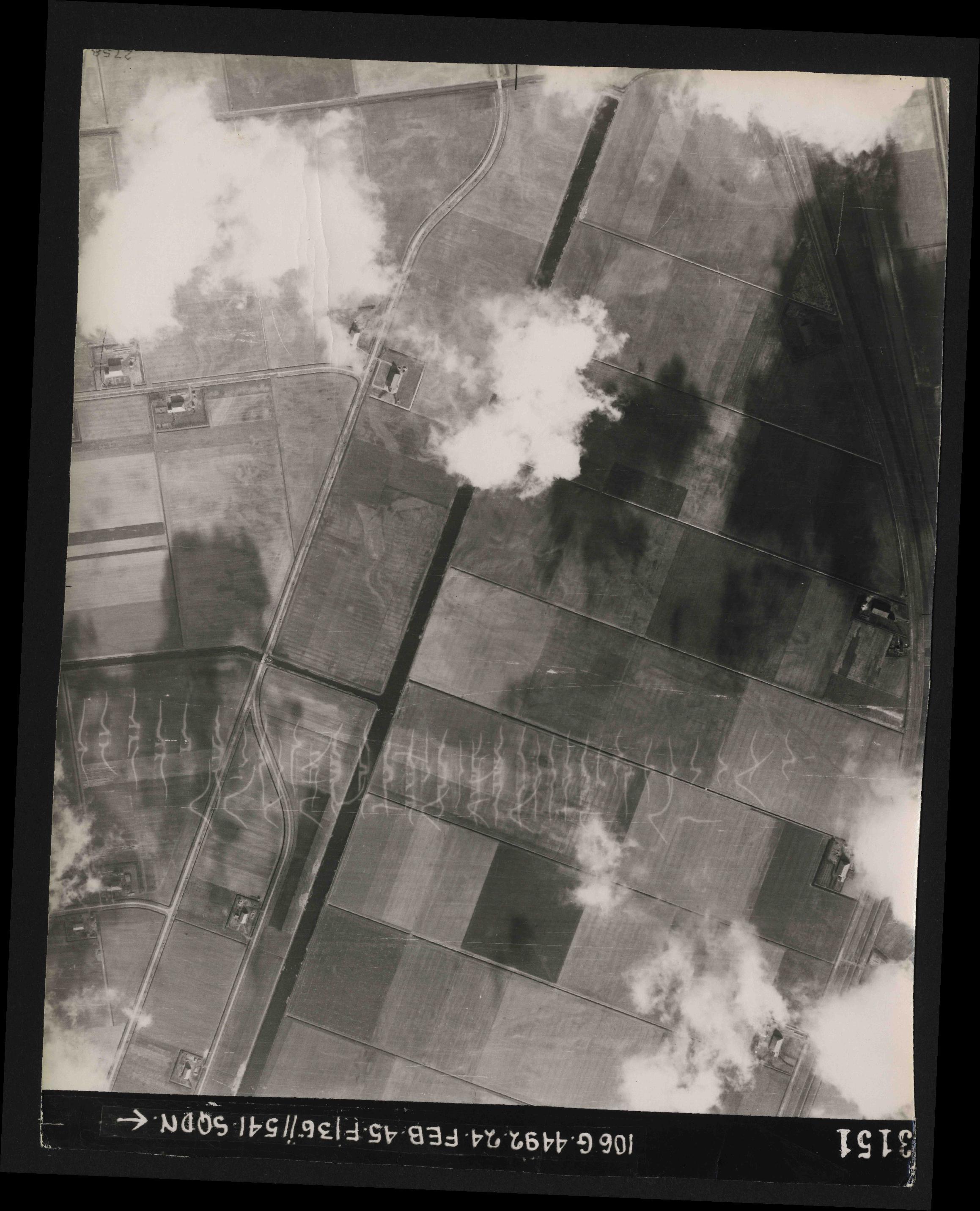 Collection RAF aerial photos 1940-1945 - flight 112, run 13, photo 3151
