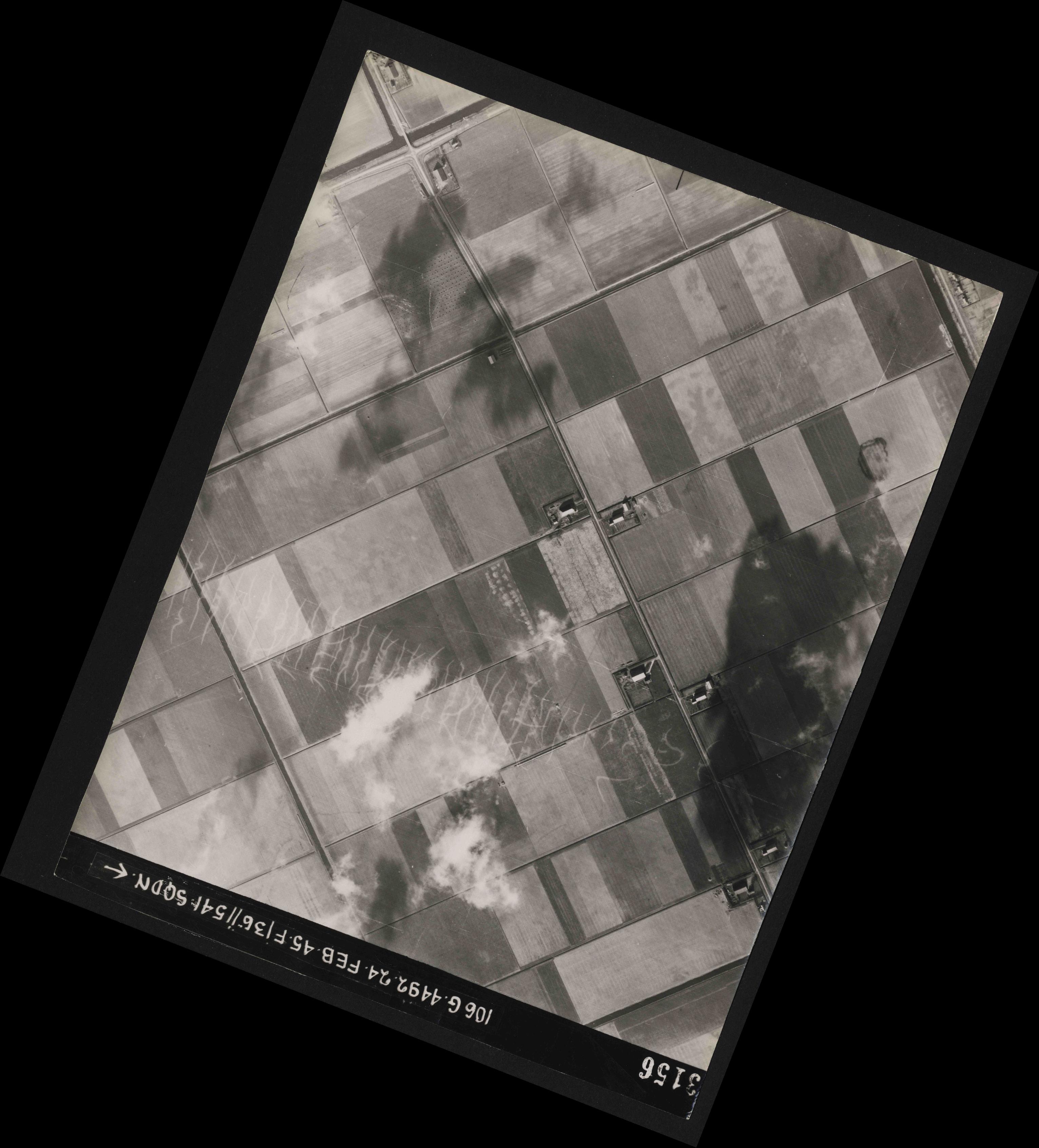 Collection RAF aerial photos 1940-1945 - flight 112, run 13, photo 3156