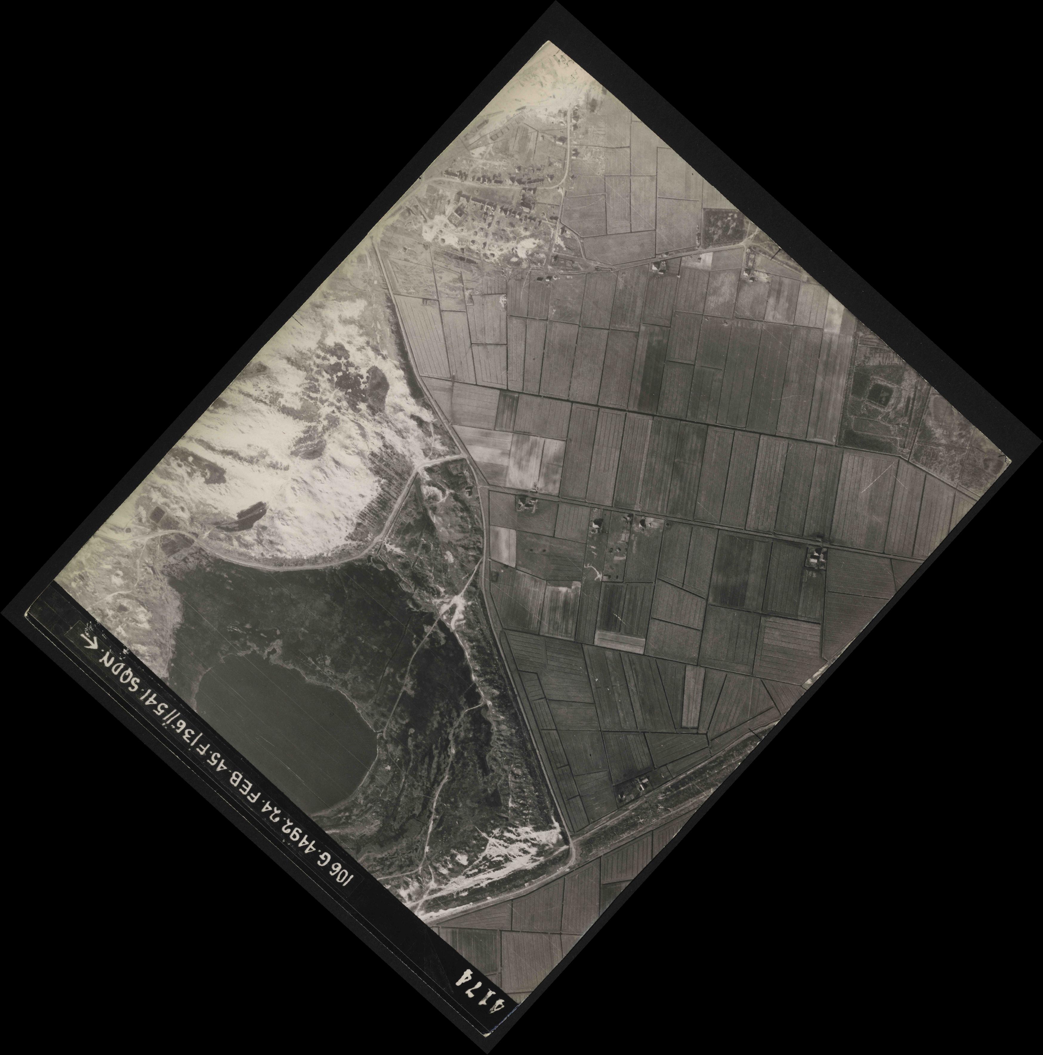 Collection RAF aerial photos 1940-1945 - flight 112, run 14, photo 4174