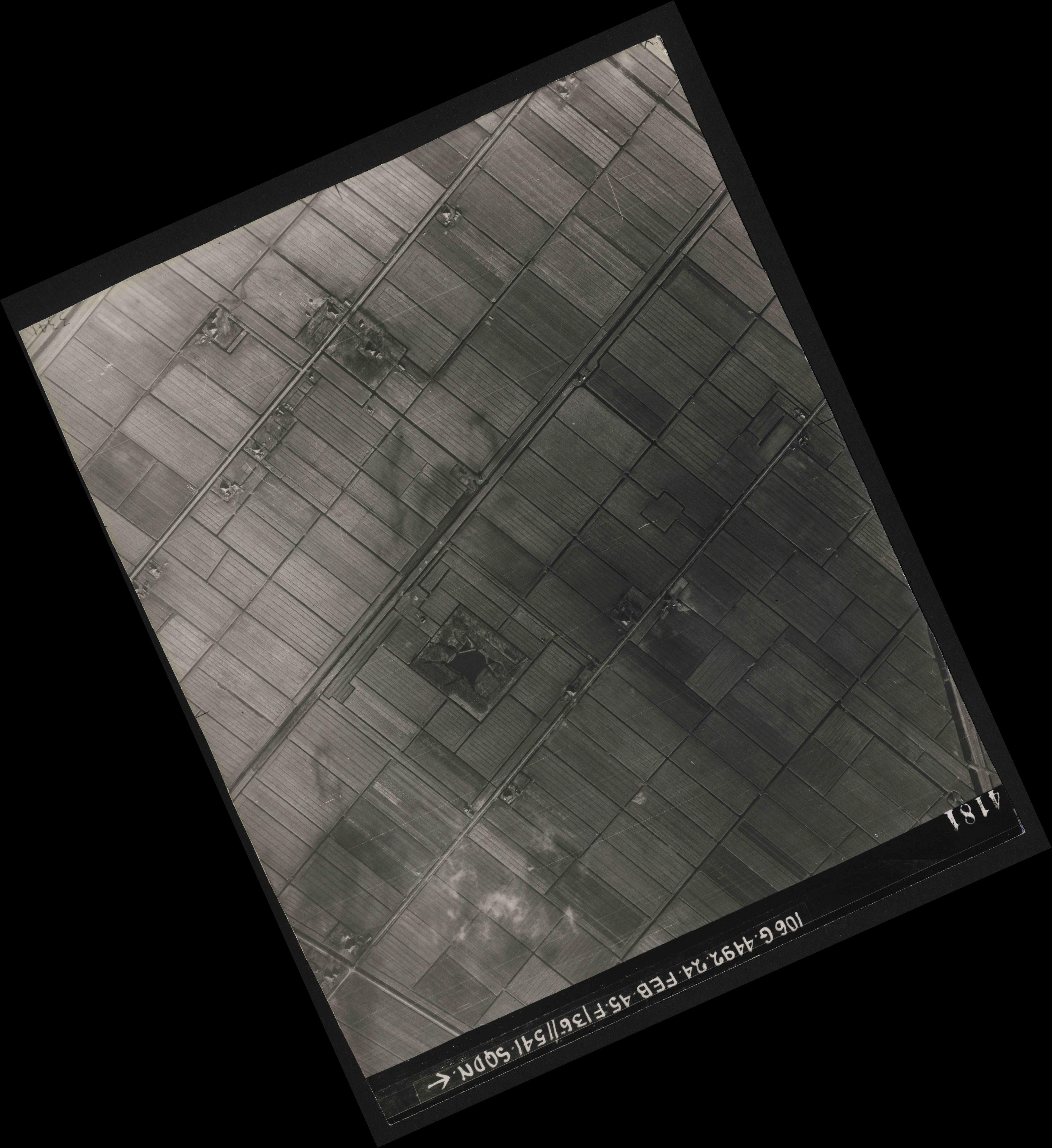 Collection RAF aerial photos 1940-1945 - flight 112, run 14, photo 4181