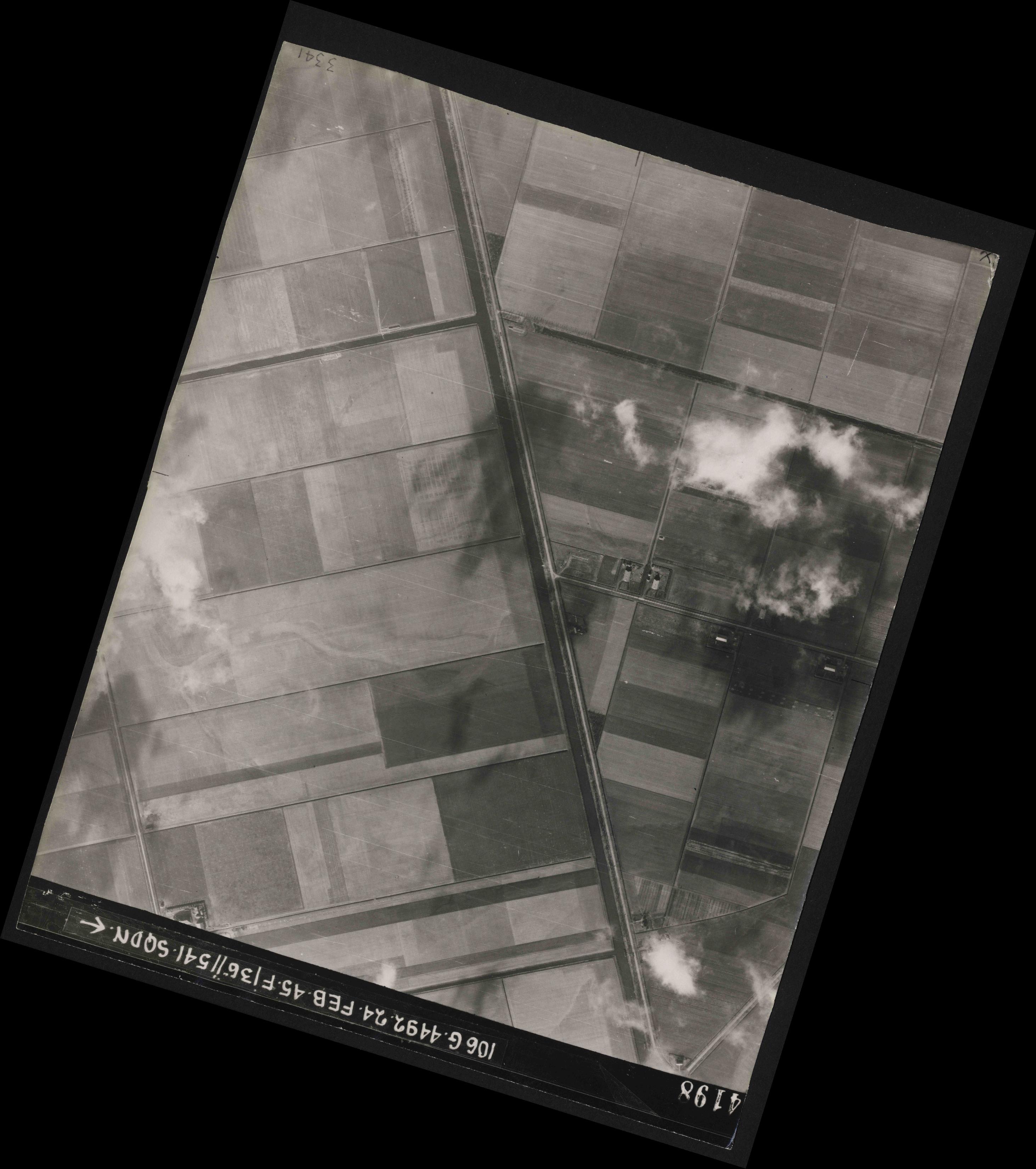 Collection RAF aerial photos 1940-1945 - flight 112, run 14, photo 4198