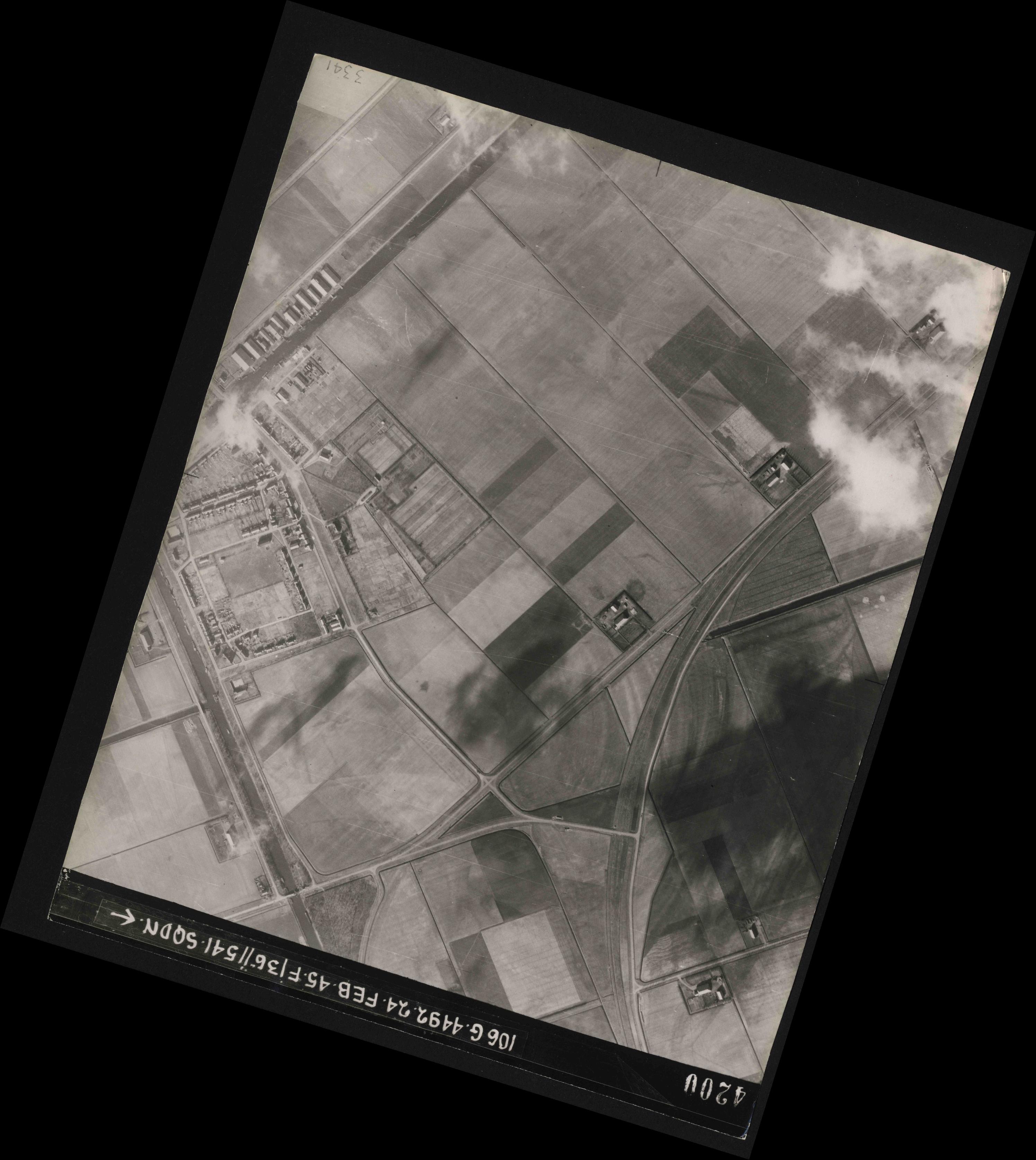 Collection RAF aerial photos 1940-1945 - flight 112, run 14, photo 4200