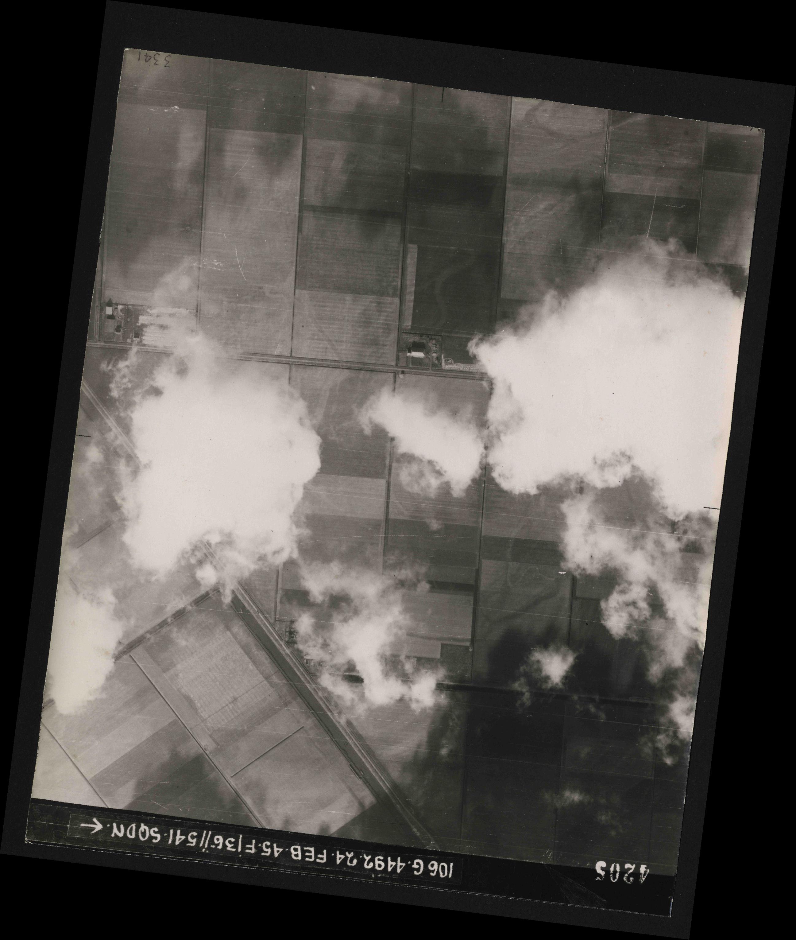 Collection RAF aerial photos 1940-1945 - flight 112, run 14, photo 4205