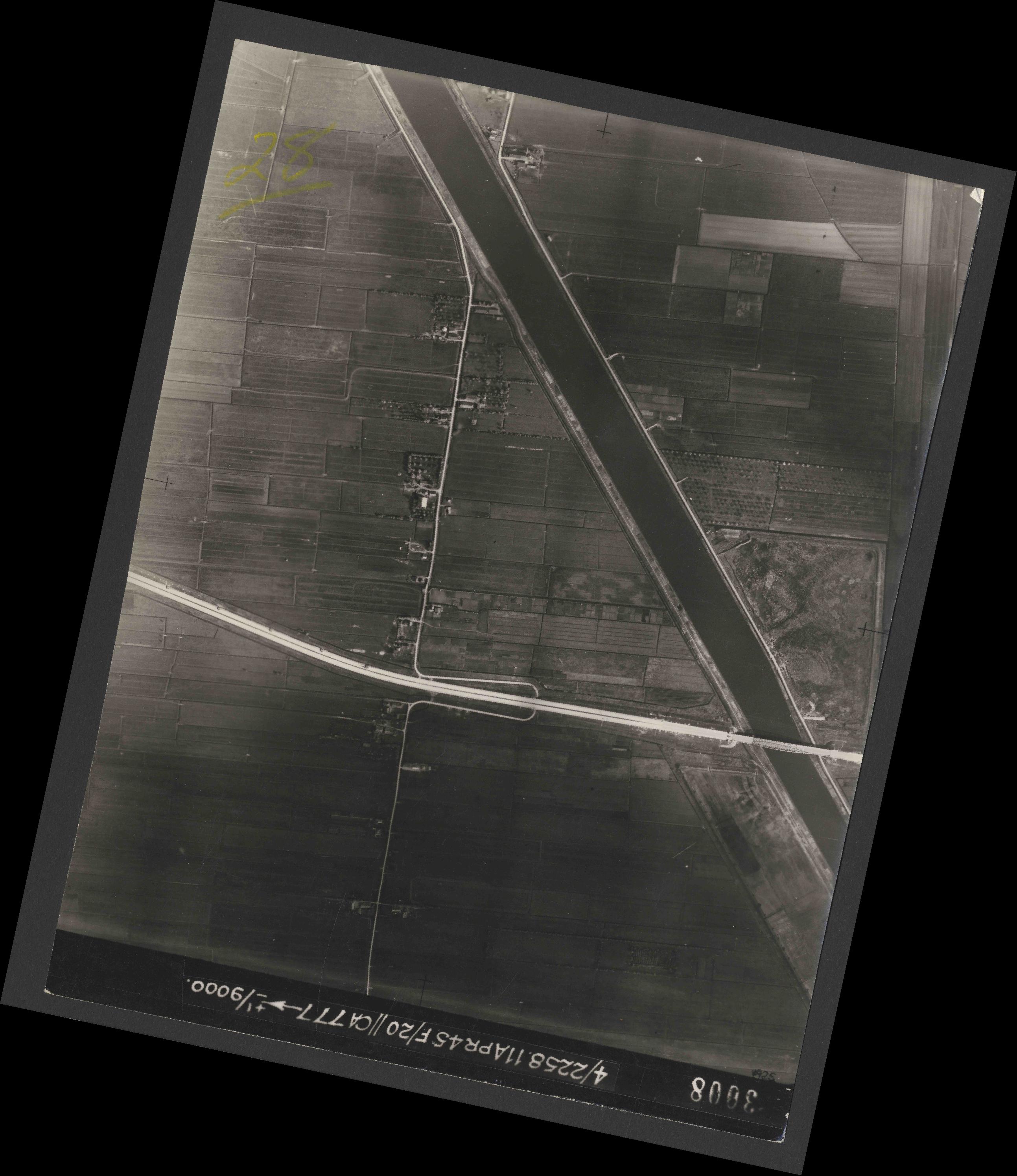 Collection RAF aerial photos 1940-1945 - flight 119, run 02, photo 3008