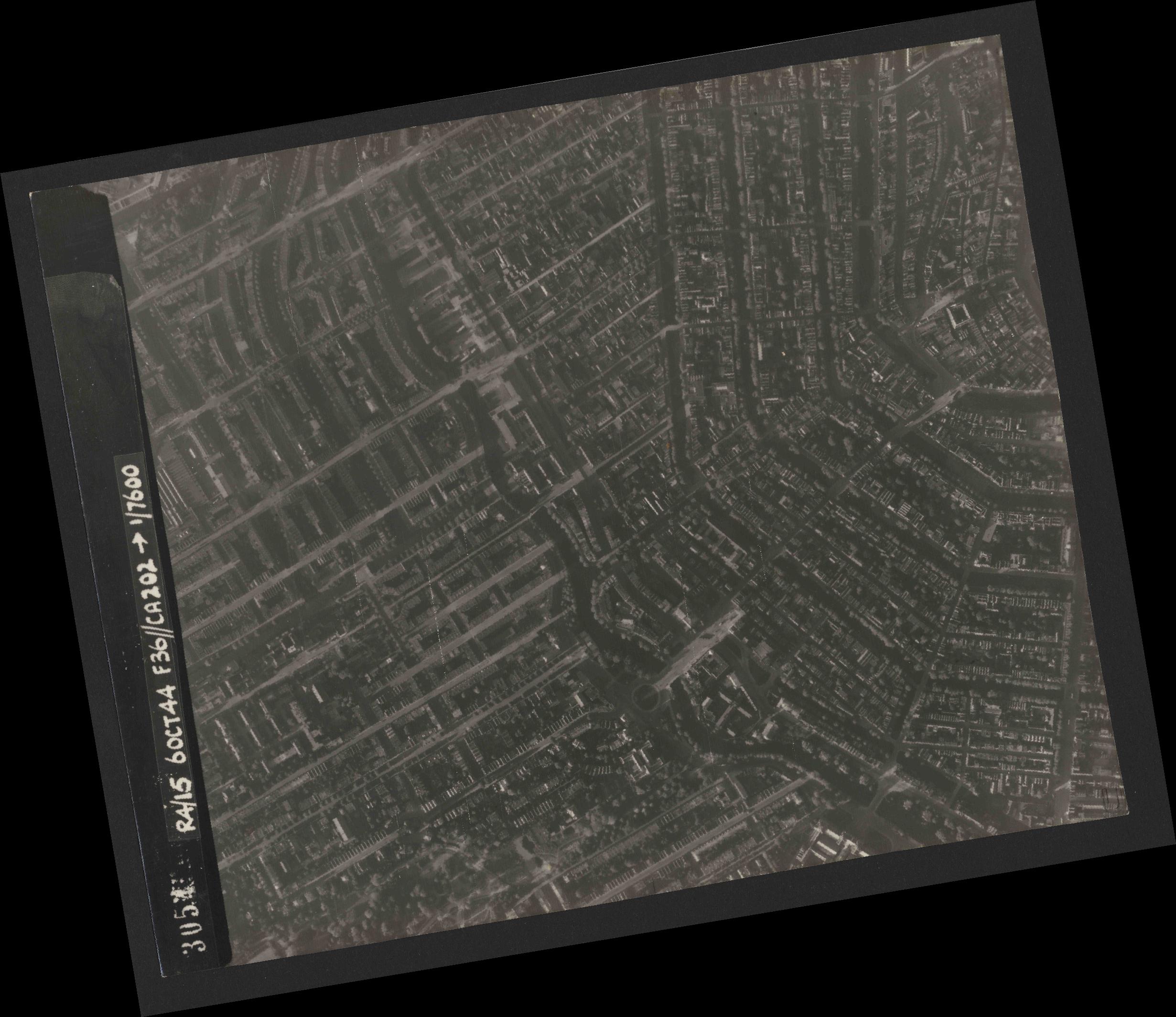 Collection RAF aerial photos 1940-1945 - flight 121, run 04, photo 3054