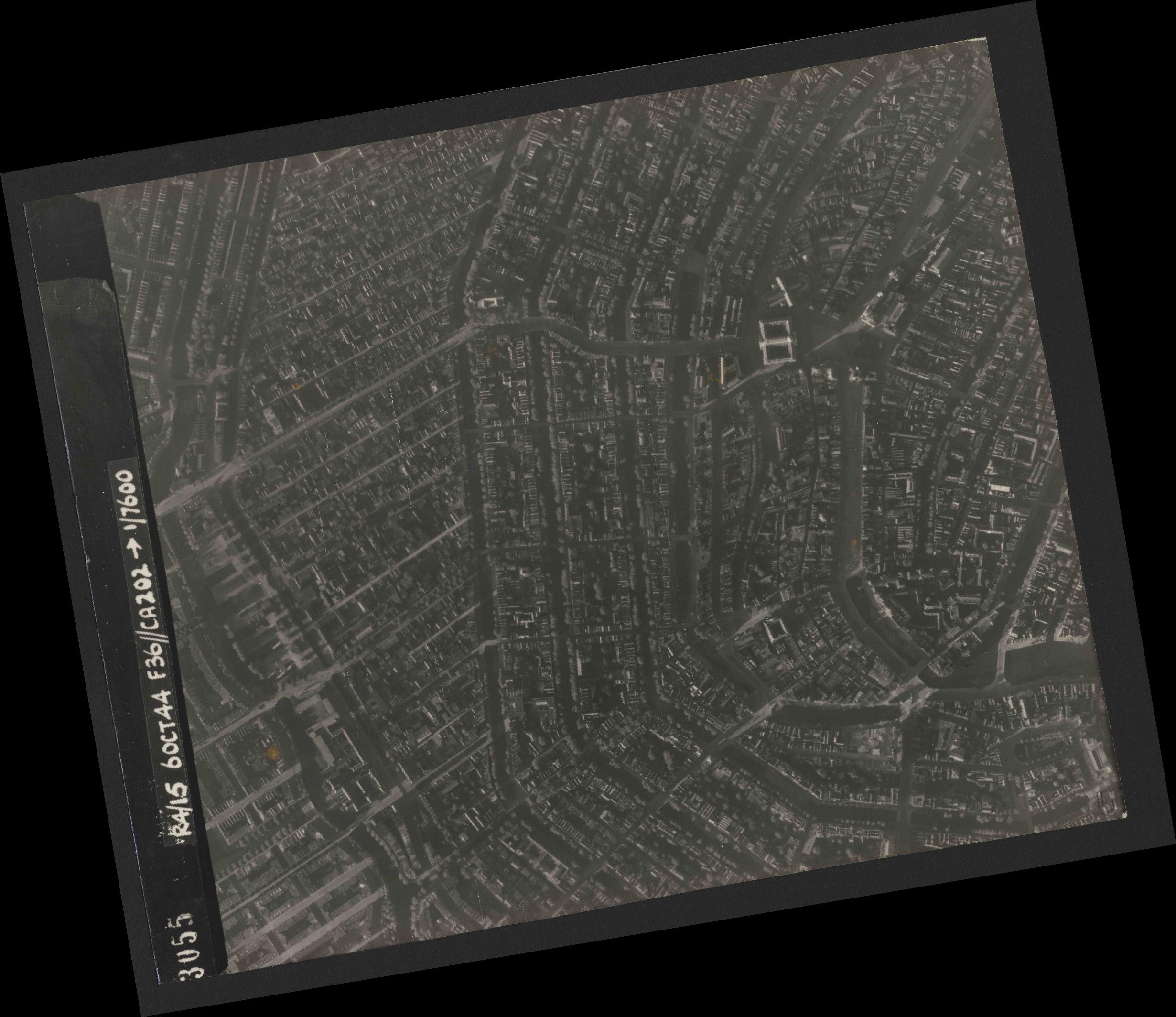 Collection RAF aerial photos 1940-1945 - flight 121, run 04, photo 3055