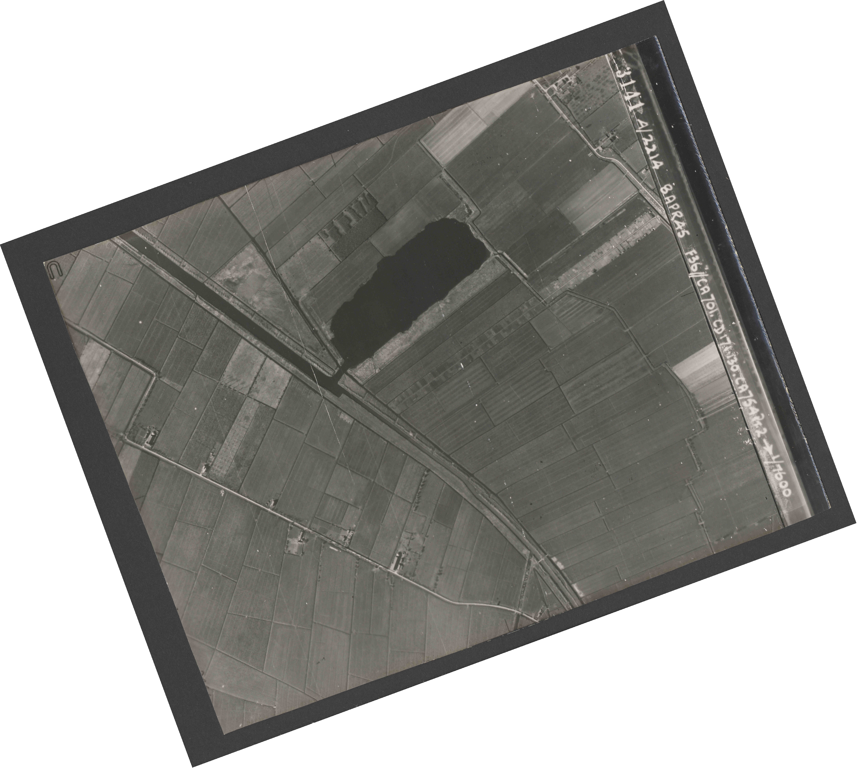 Collection RAF aerial photos 1940-1945 - flight 123, run 04, photo 3141