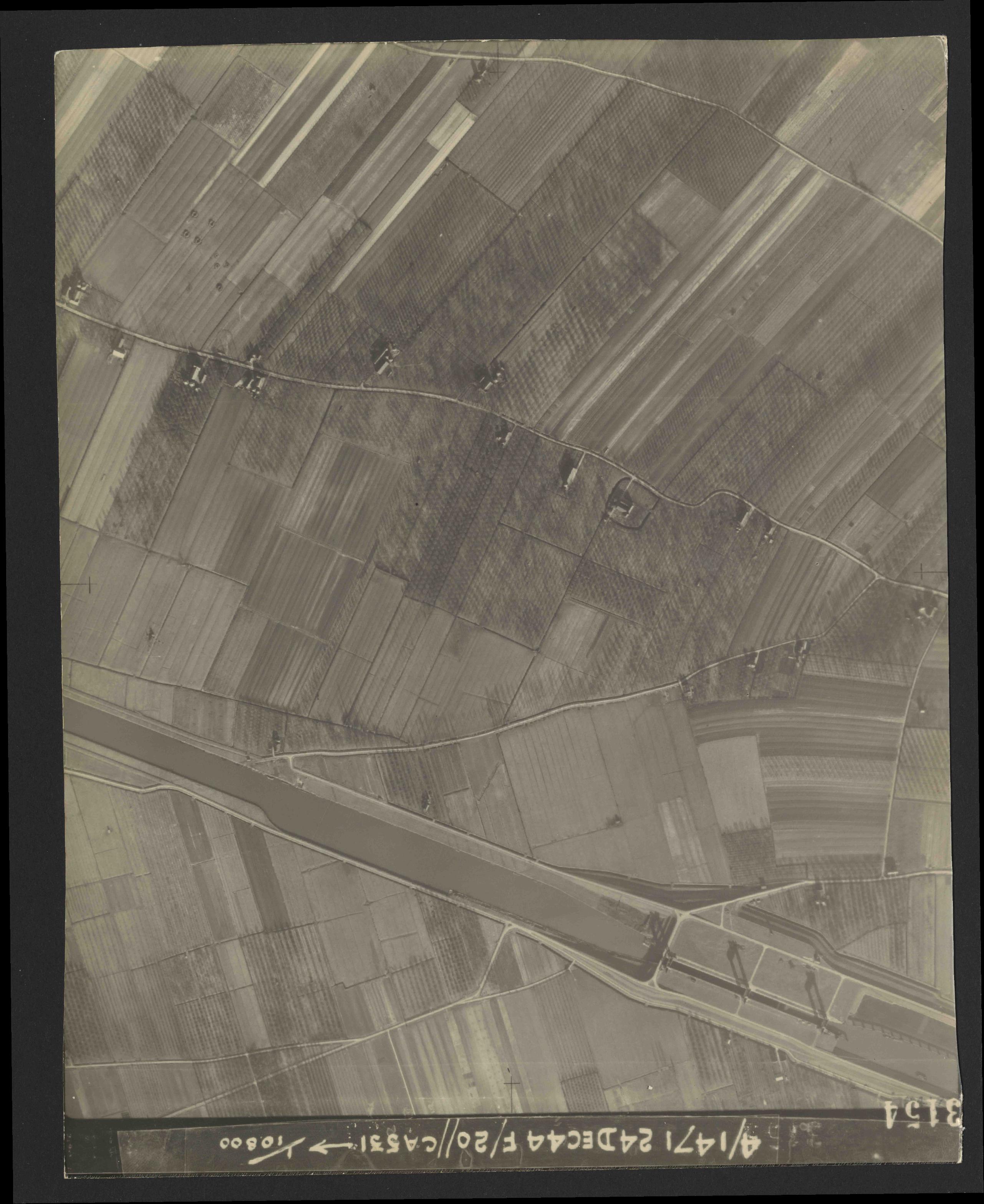 Collection RAF aerial photos 1940-1945 - flight 125, run 05, photo 3154
