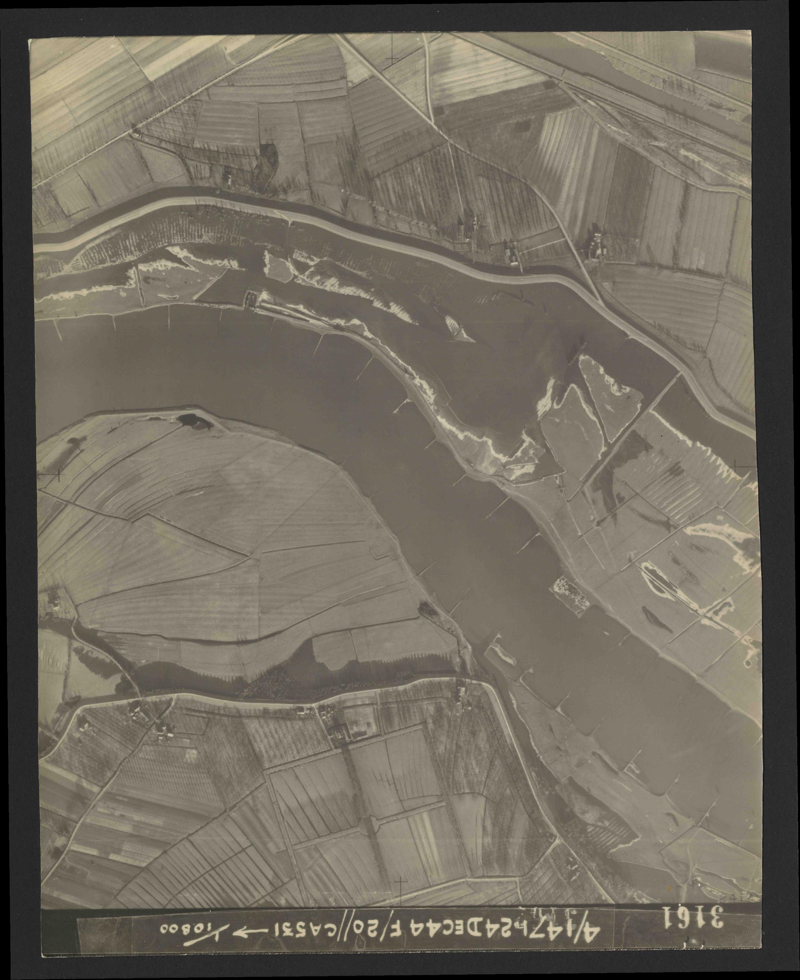 Collection RAF aerial photos 1940-1945 - flight 125, run 05, photo 3161