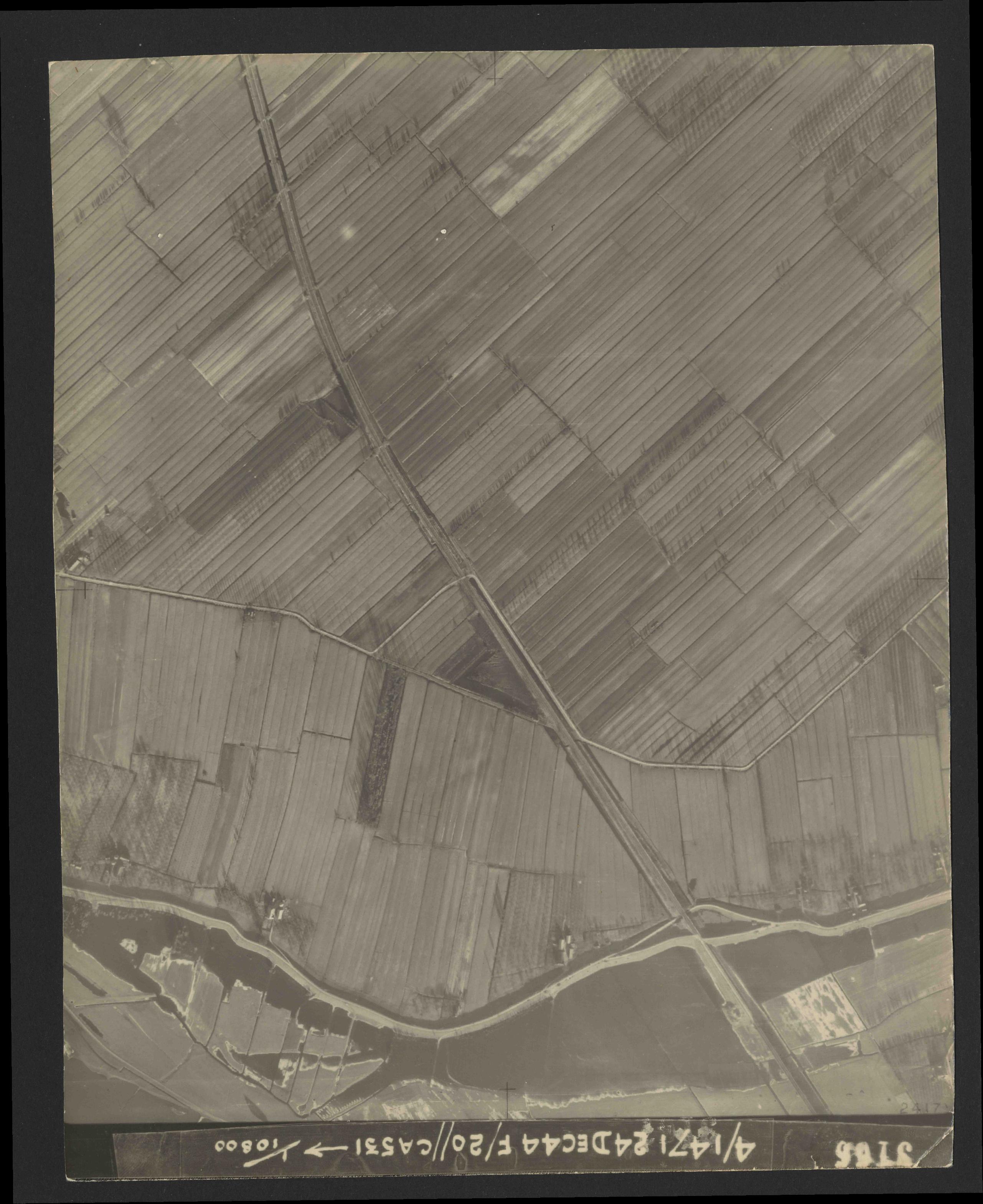 Collection RAF aerial photos 1940-1945 - flight 125, run 05, photo 3166