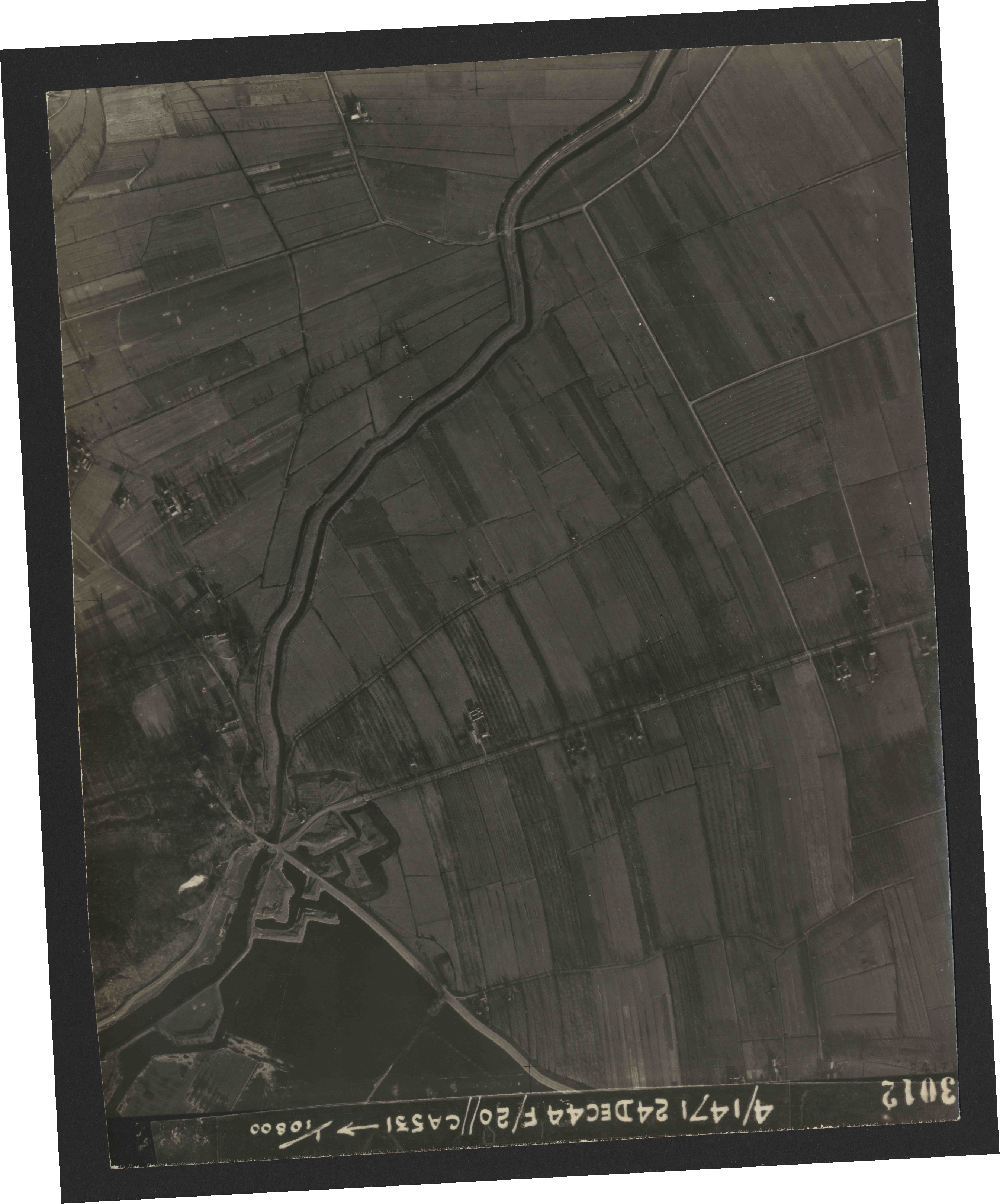 Collection RAF aerial photos 1940-1945 - flight 125, run 06, photo 3012