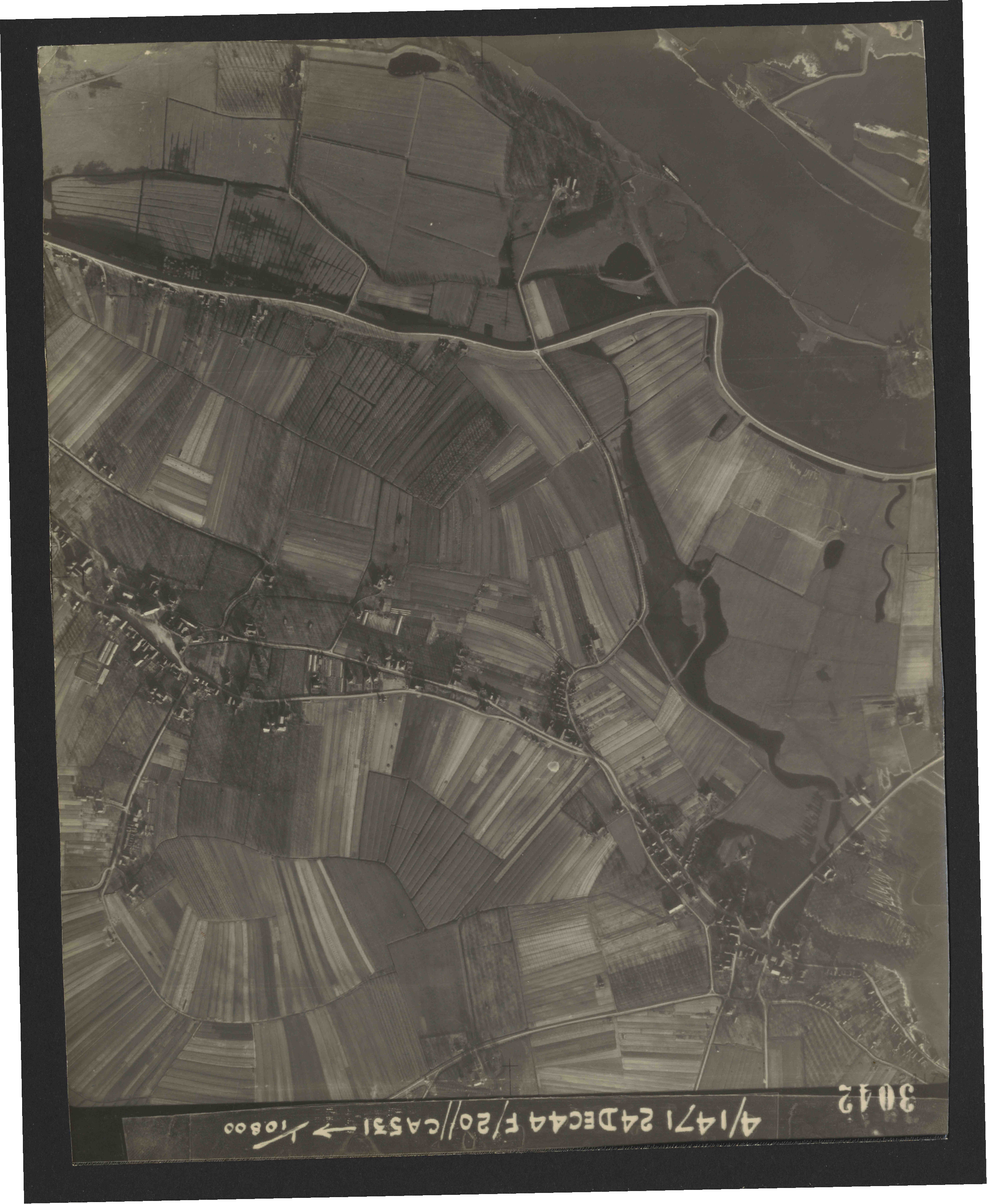 Collection RAF aerial photos 1940-1945 - flight 125, run 06, photo 3042