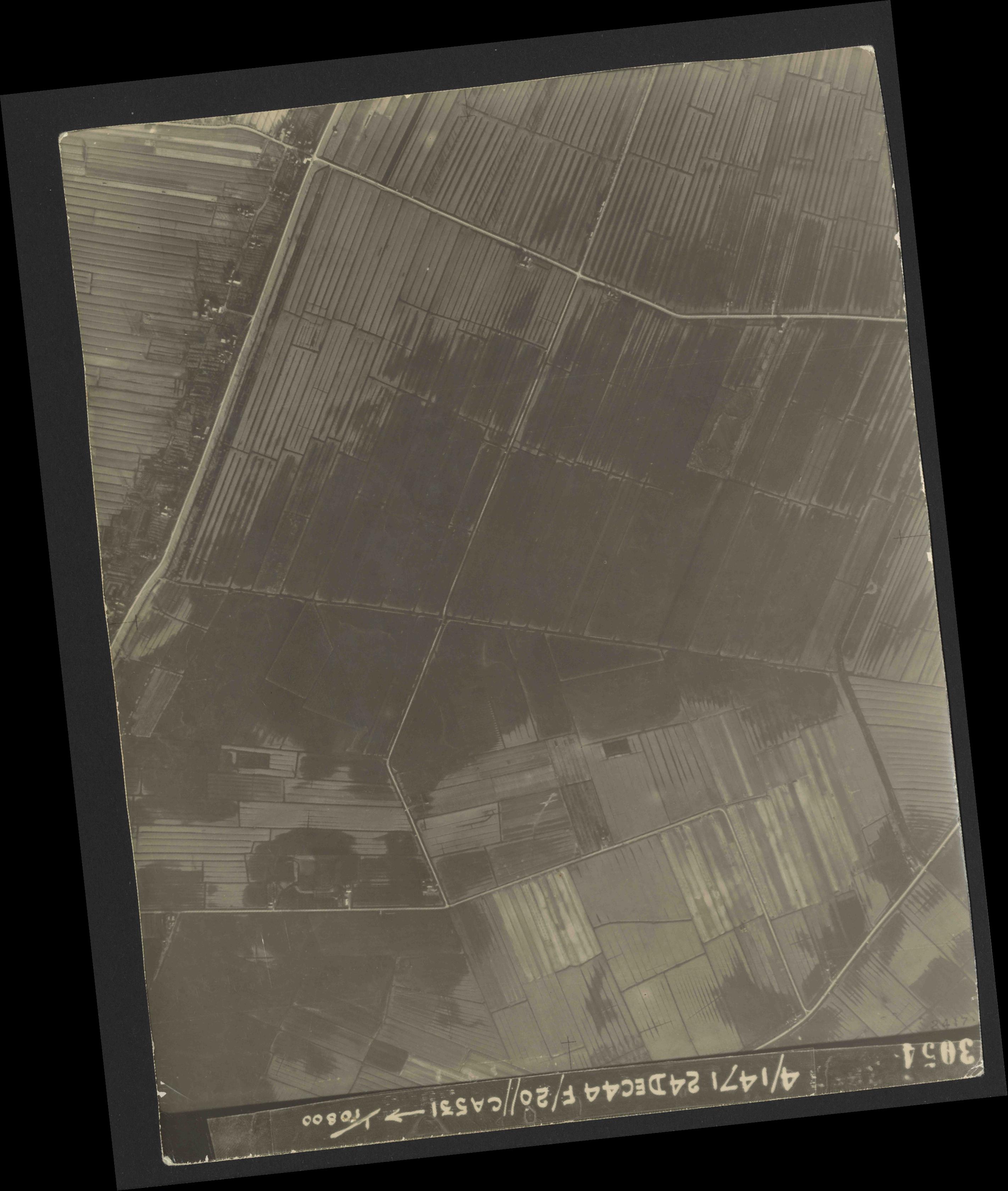 Collection RAF aerial photos 1940-1945 - flight 125, run 06, photo 3054