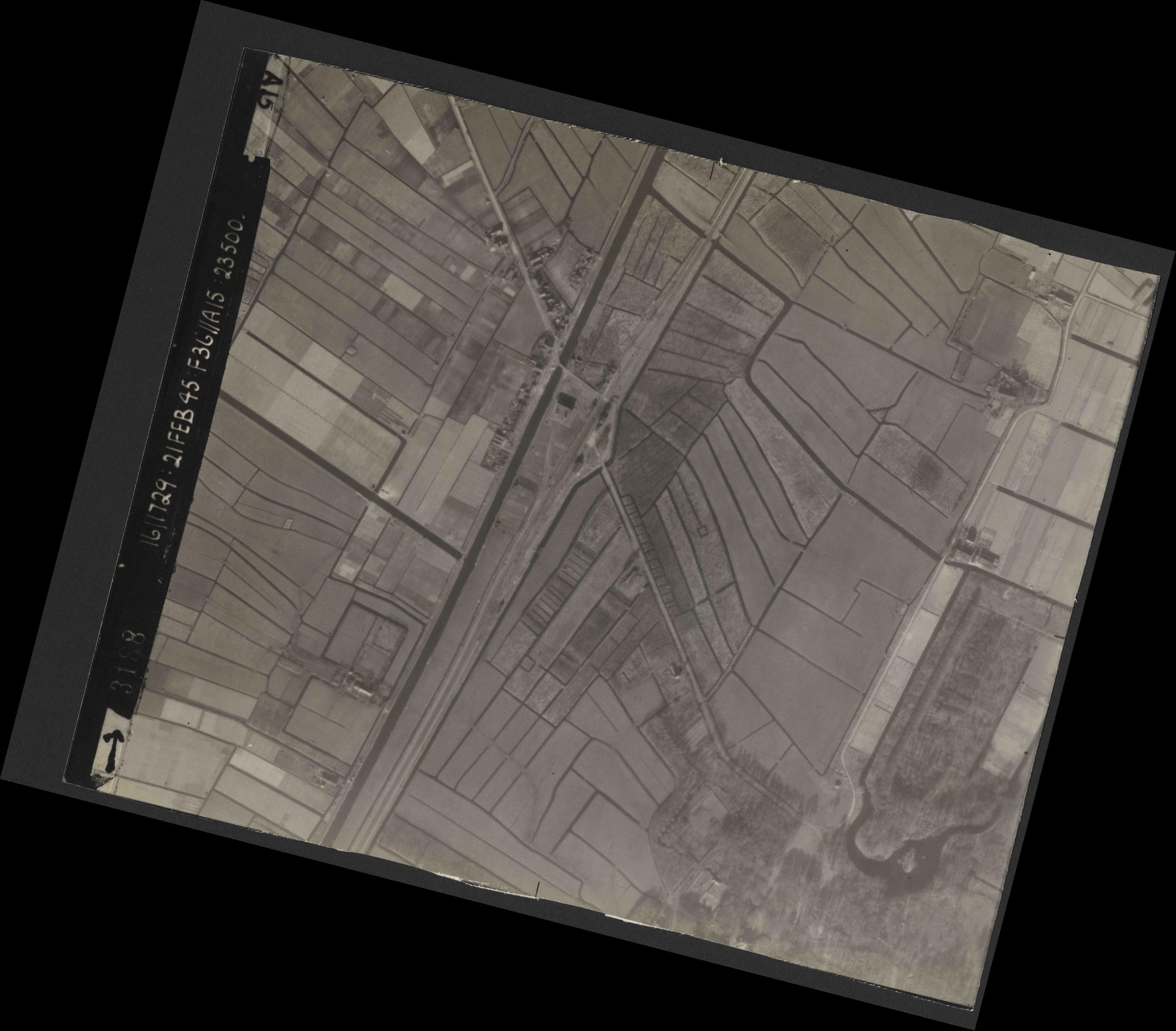 Collection RAF aerial photos 1940-1945 - flight 128, run 01, photo 3188