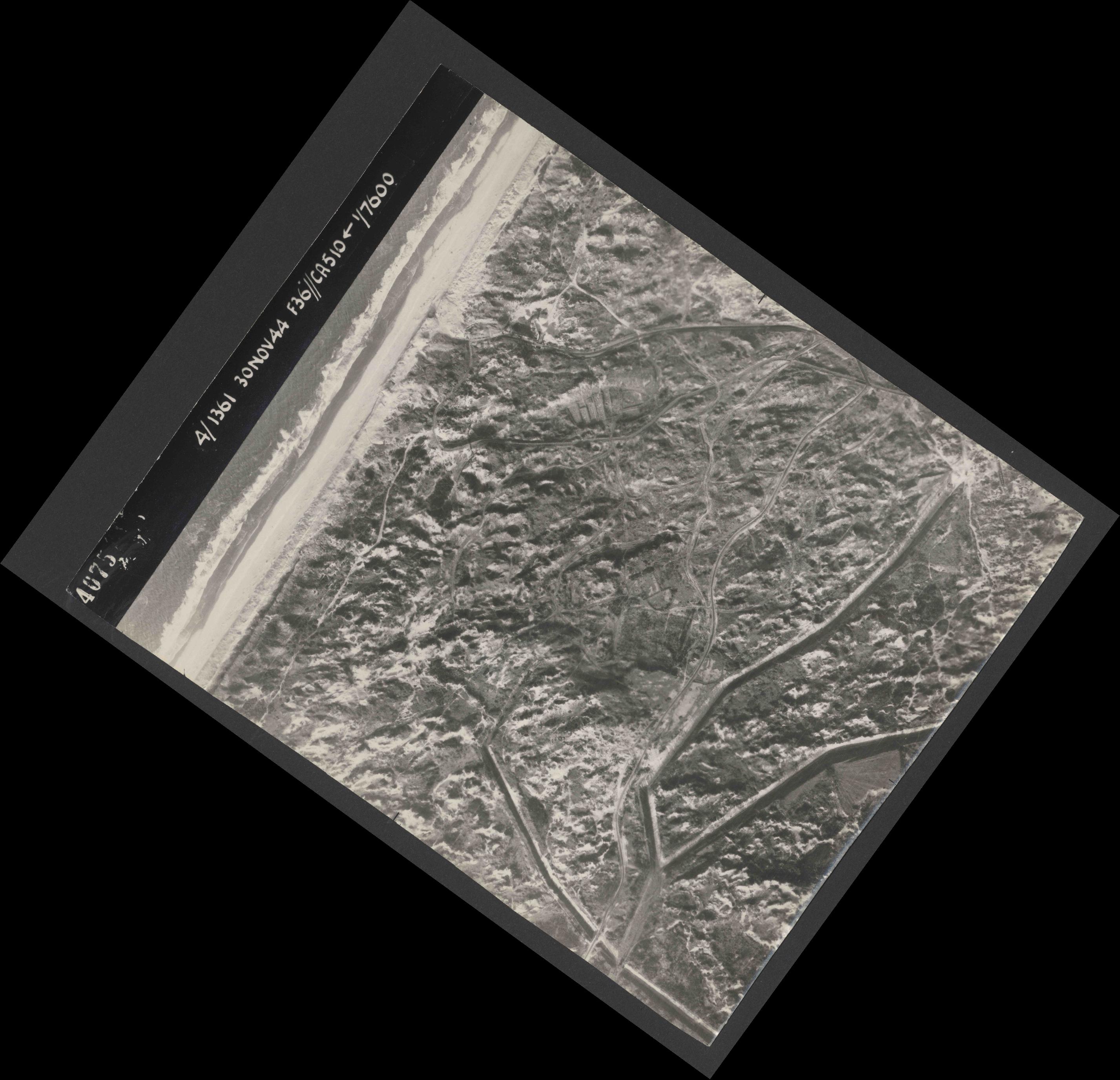 Collection RAF aerial photos 1940-1945 - flight 151, run 01, photo 4075