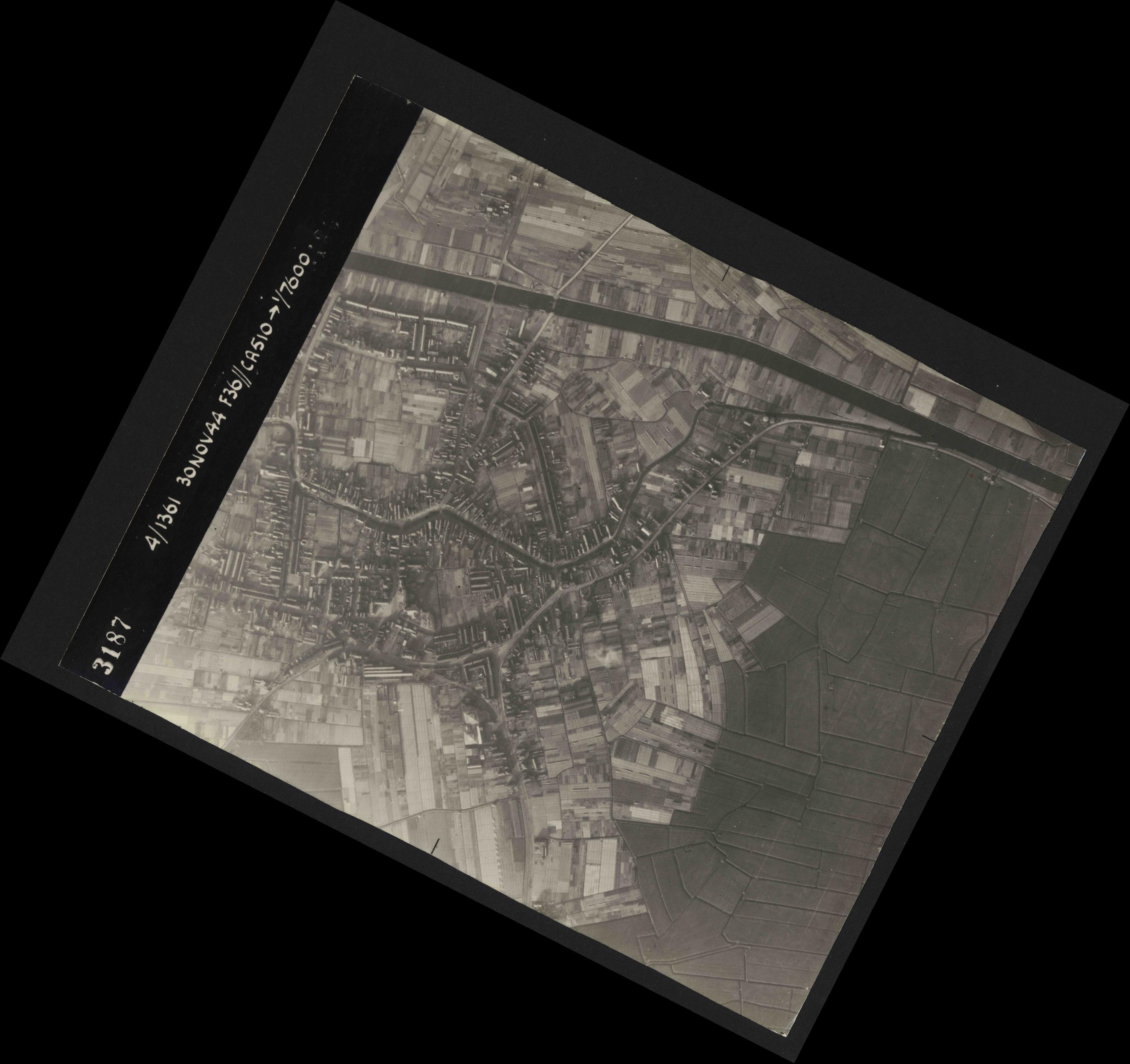 Collection RAF aerial photos 1940-1945 - flight 151, run 03, photo 3187
