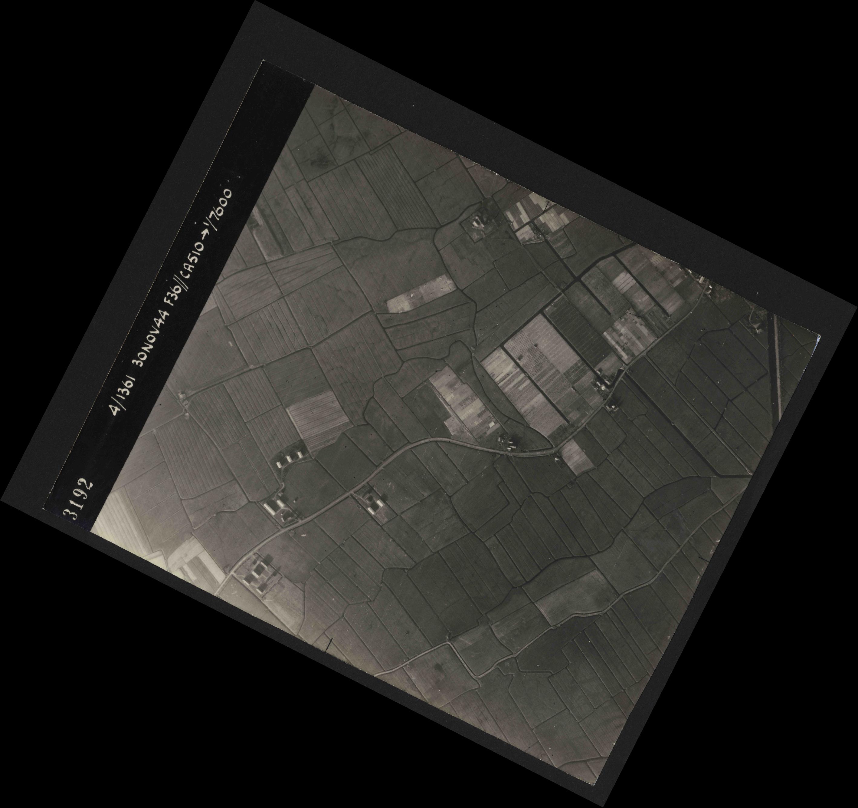 Collection RAF aerial photos 1940-1945 - flight 151, run 03, photo 3192