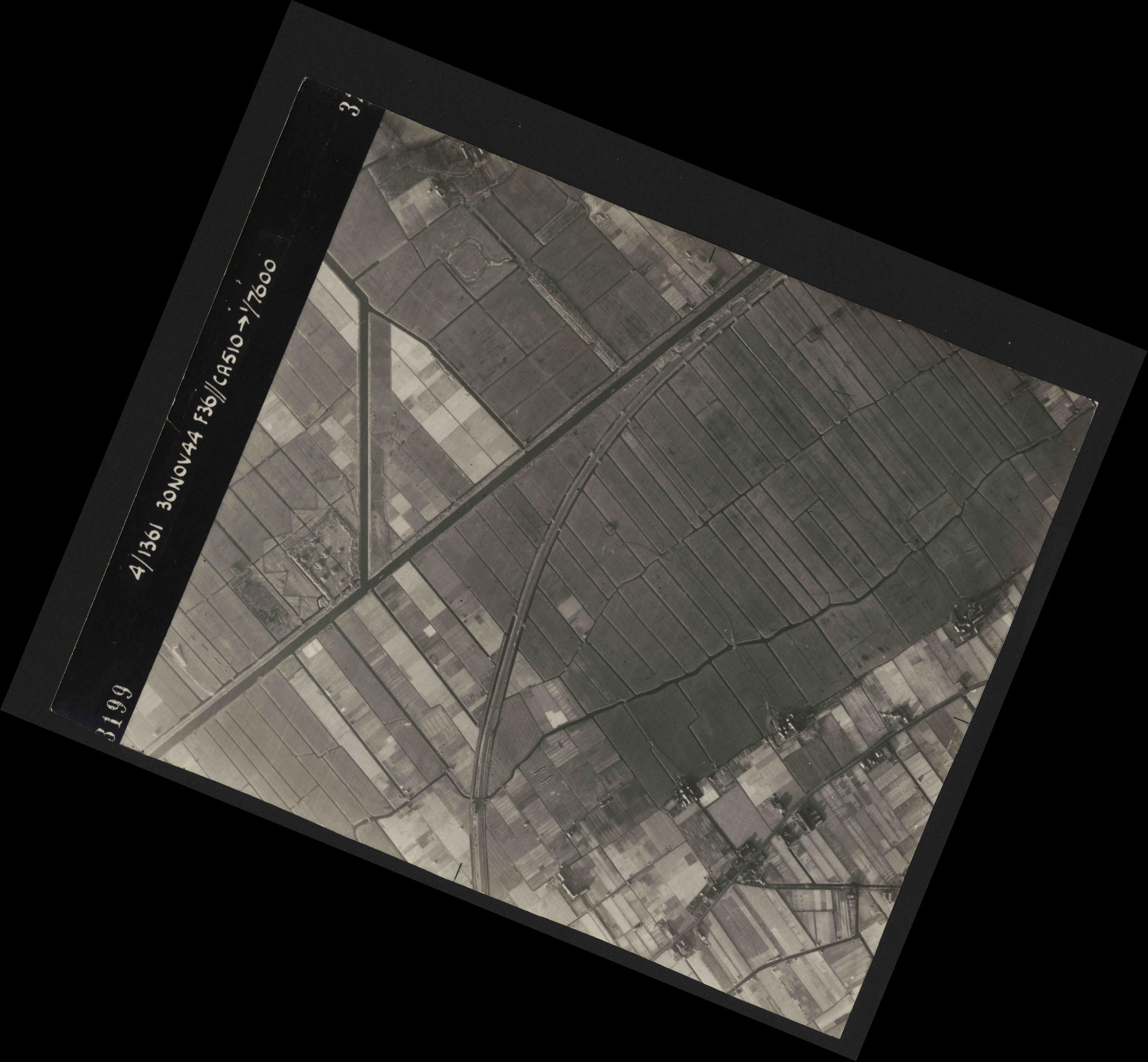Collection RAF aerial photos 1940-1945 - flight 151, run 03, photo 3199