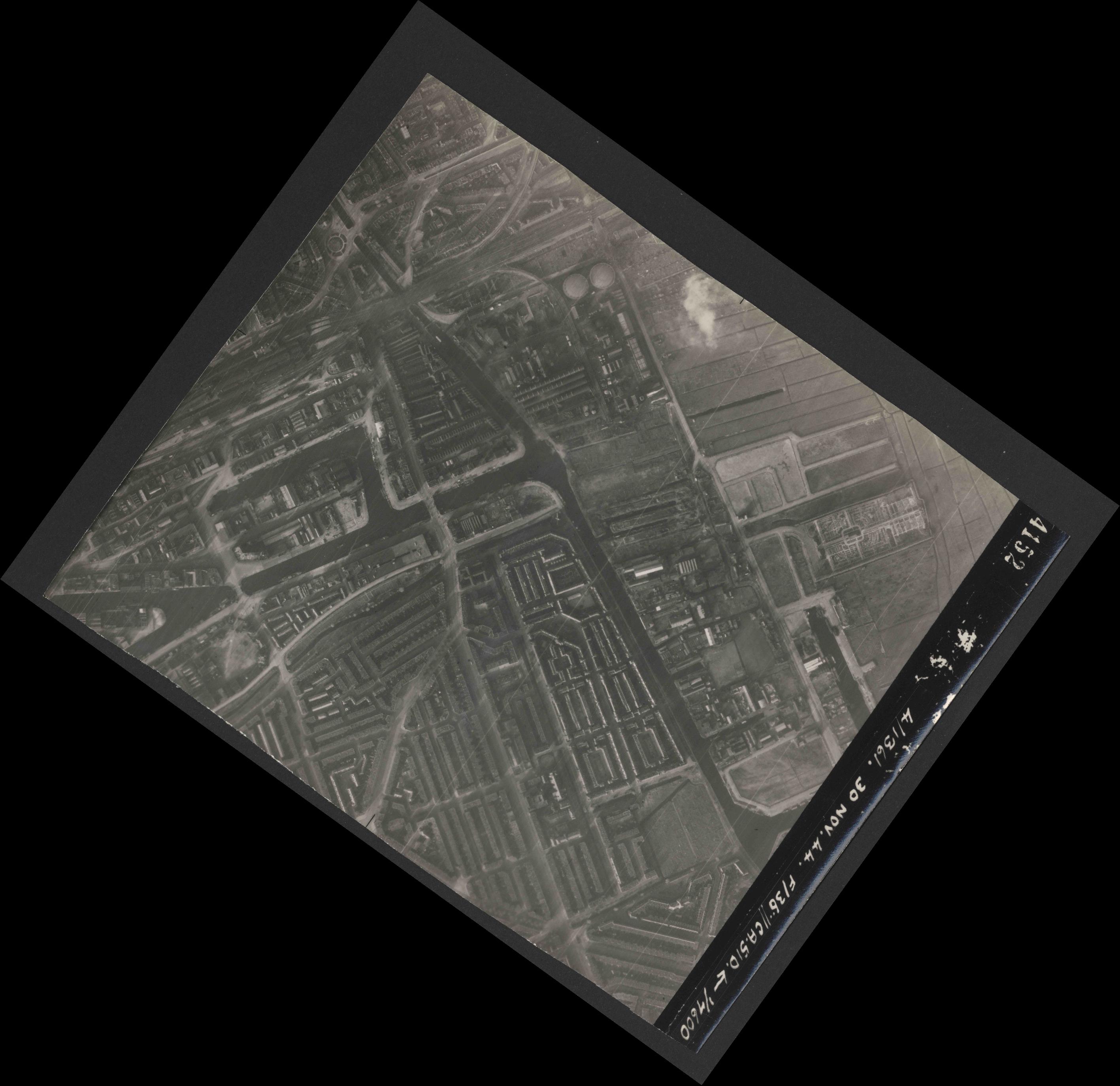 Collection RAF aerial photos 1940-1945 - flight 151, run 04, photo 4152