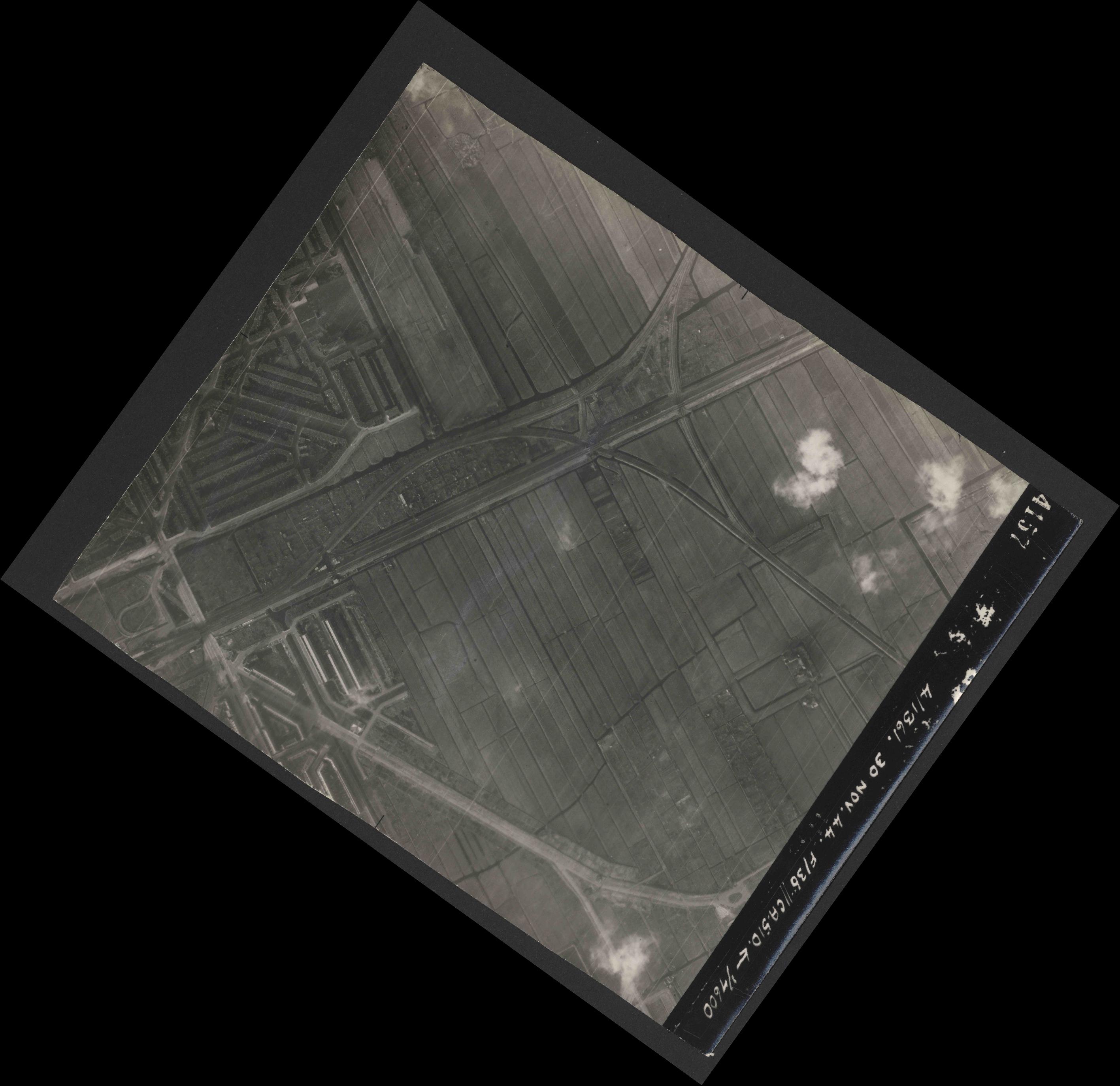 Collection RAF aerial photos 1940-1945 - flight 151, run 04, photo 4157