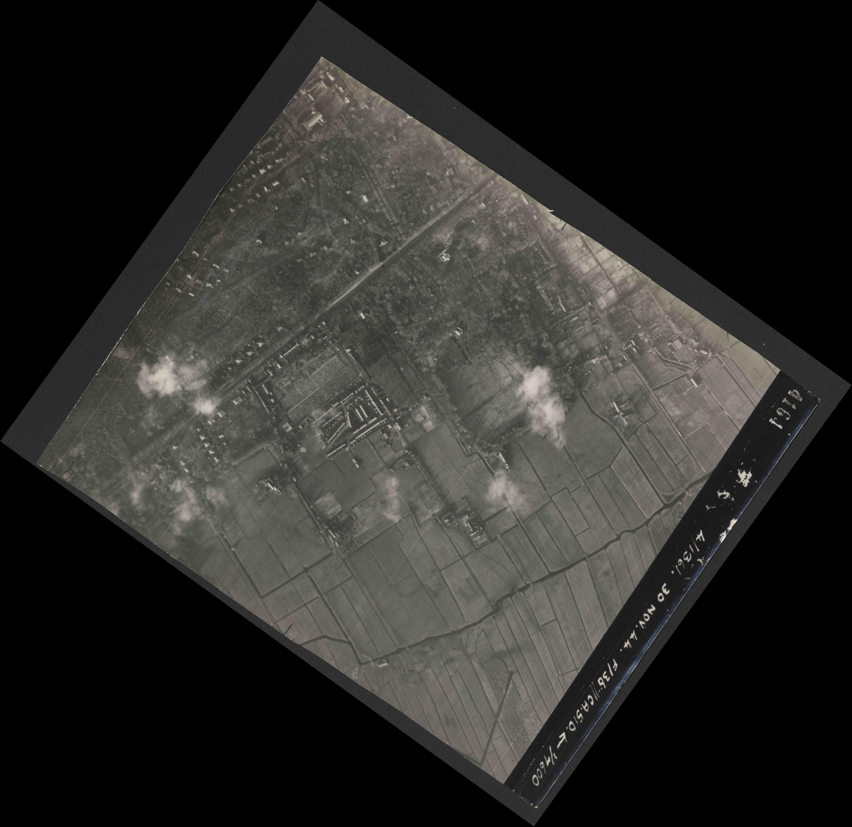 Collection RAF aerial photos 1940-1945 - flight 151, run 04, photo 4164
