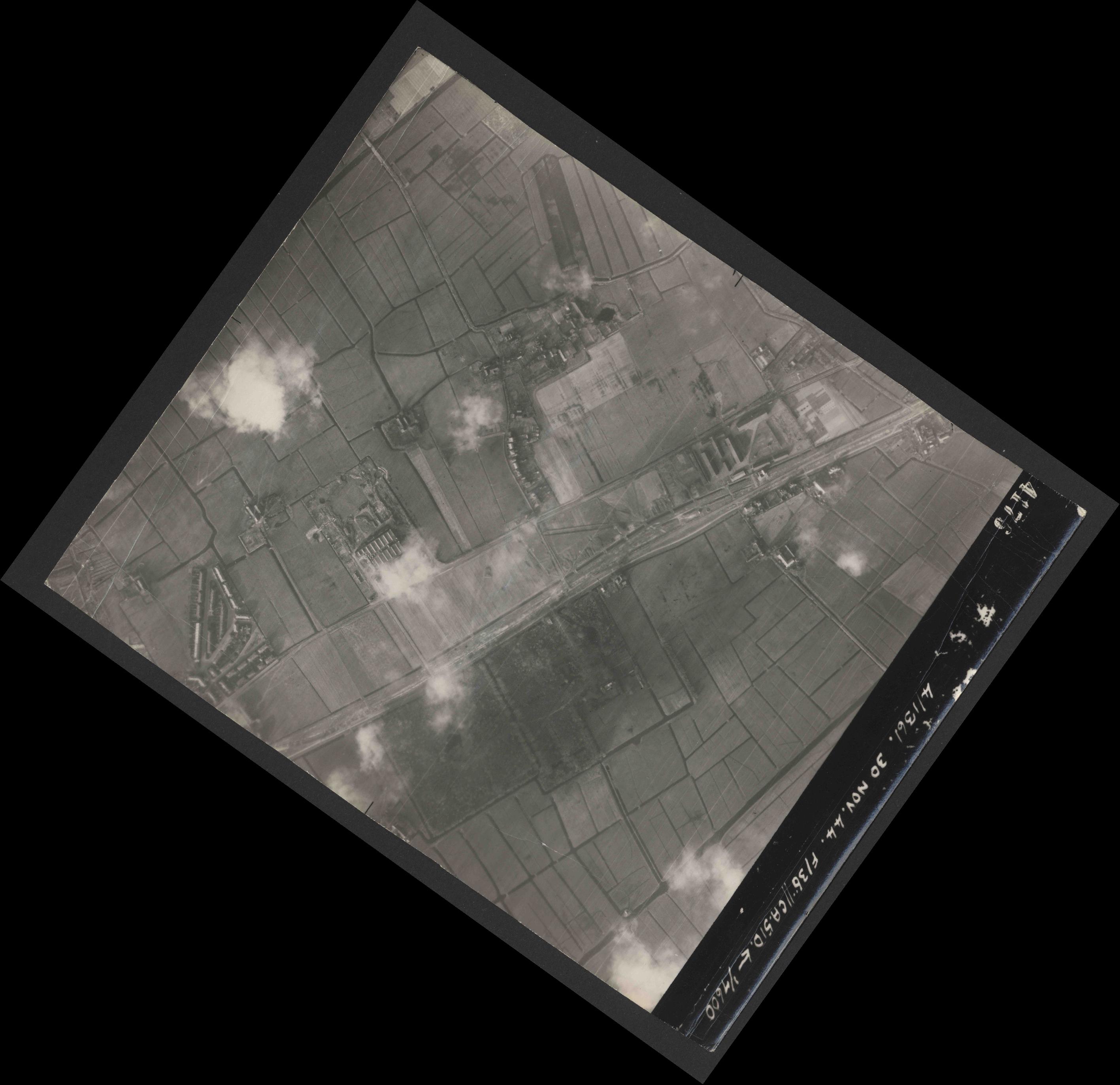 Collection RAF aerial photos 1940-1945 - flight 151, run 04, photo 4176